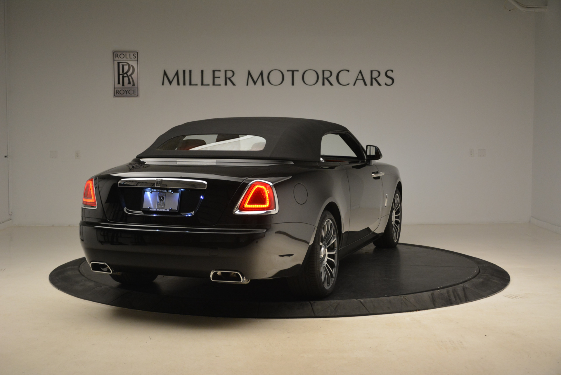 New 2018 Rolls-Royce Dawn  For Sale In Greenwich, CT 2103_p14