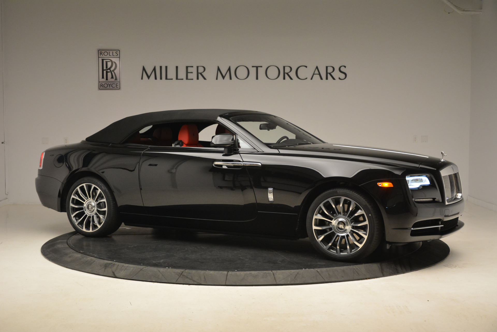 New 2018 Rolls-Royce Dawn  For Sale In Greenwich, CT 2103_p15