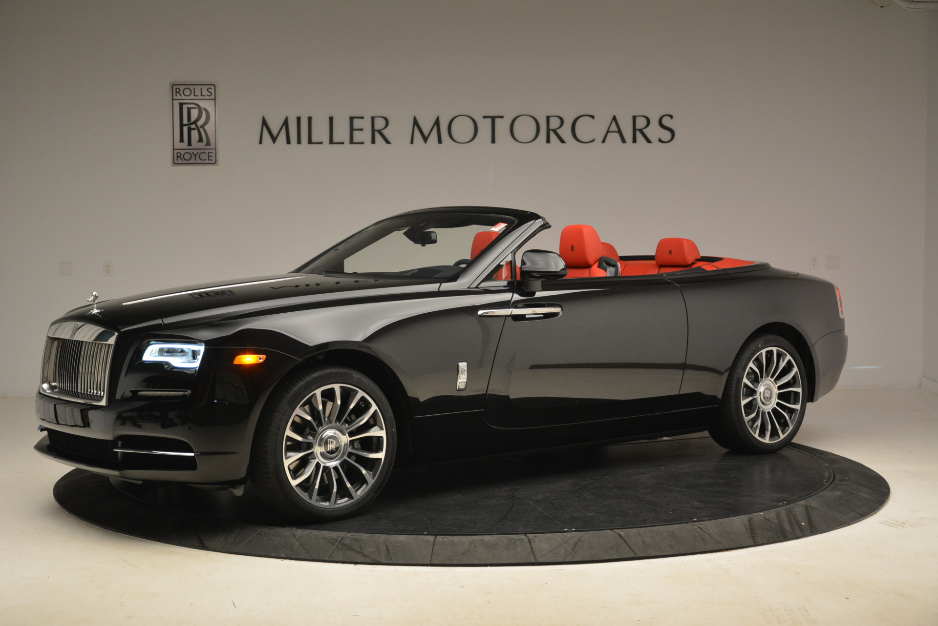 New 2018 Rolls-Royce Dawn  For Sale In Greenwich, CT 2103_p2