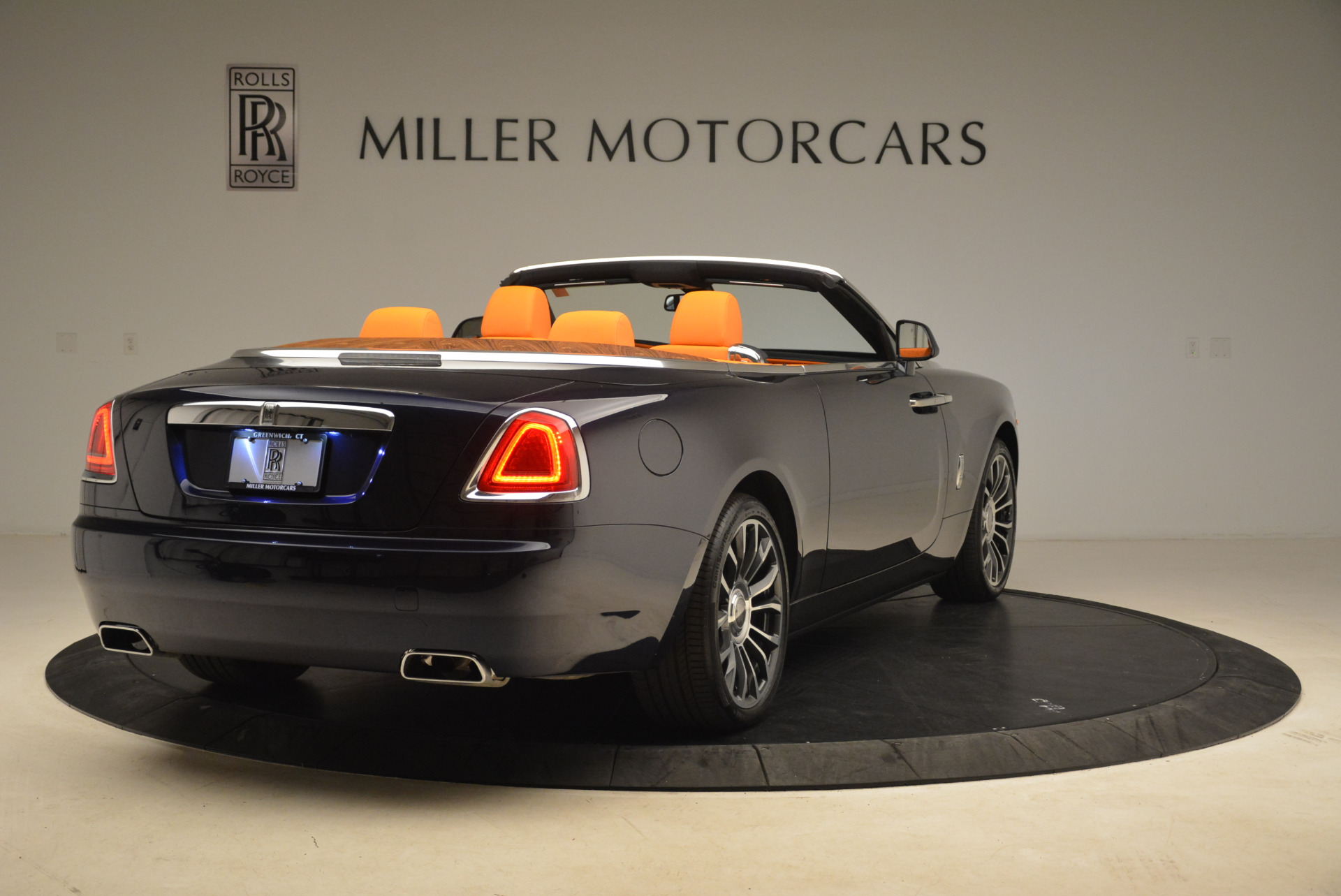 New 2018 Rolls-Royce Dawn  For Sale In Greenwich, CT 2104_p7