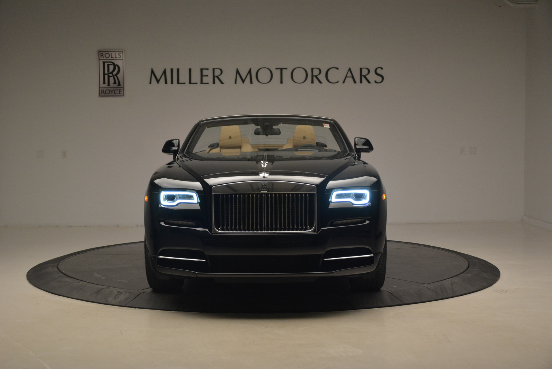 Used 2018 Rolls-Royce Dawn  For Sale In Greenwich, CT 2105_p11