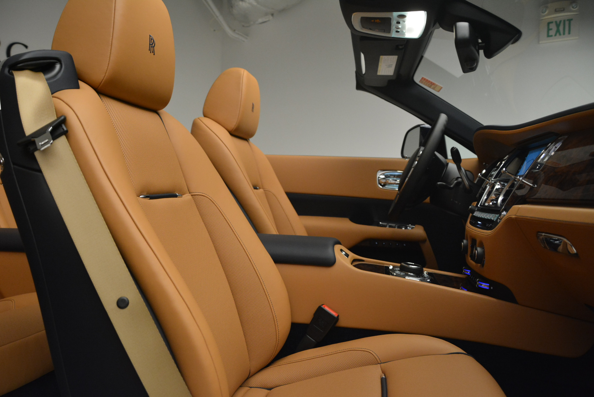 New 2018 Rolls-Royce Dawn  For Sale In Greenwich, CT 2118_p37