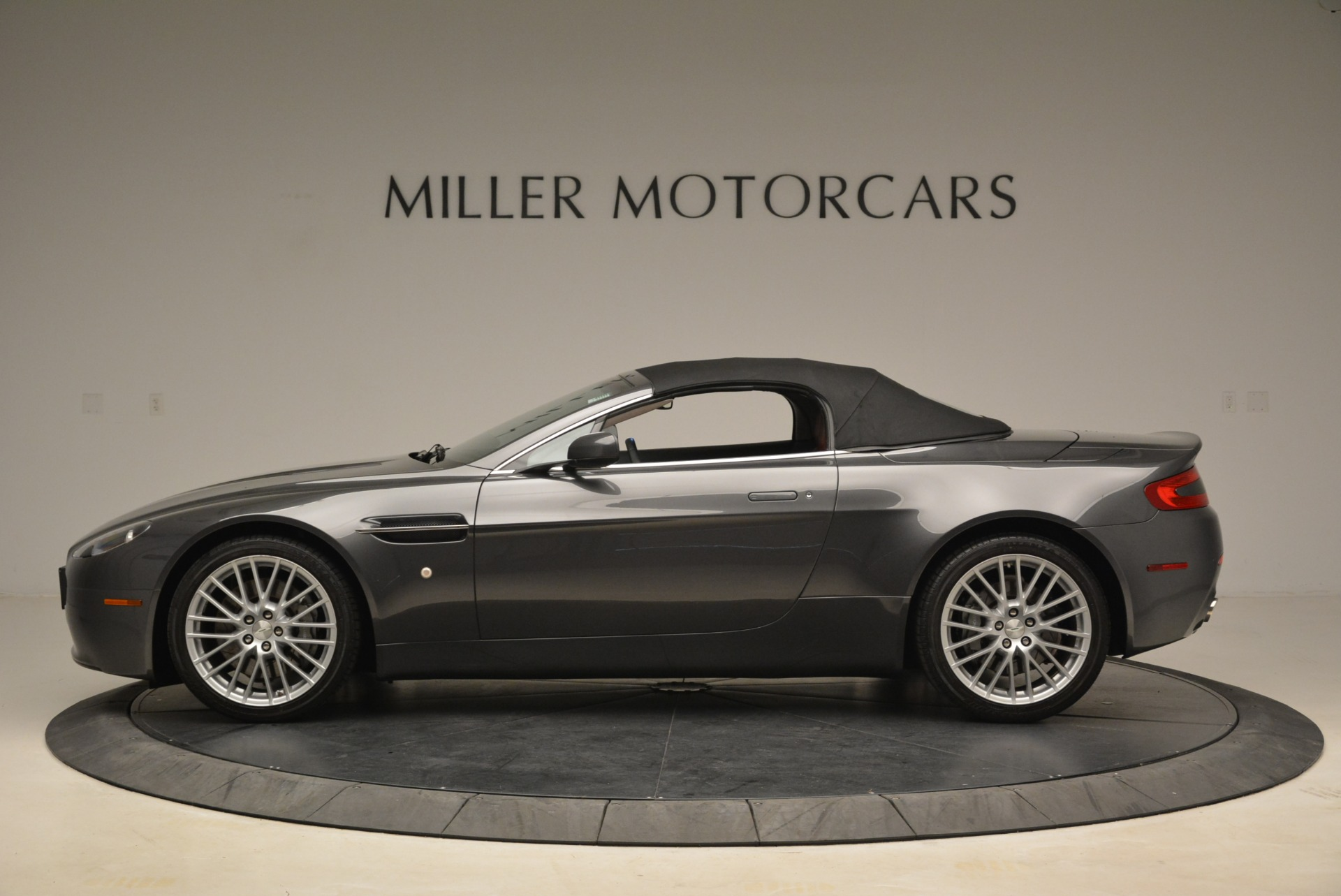 Used 2009 Aston Martin V8 Vantage Roadster For Sale In Greenwich, CT 2123_p15