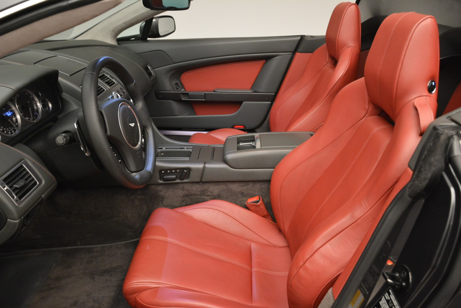 Used 2009 Aston Martin V8 Vantage Roadster For Sale In Greenwich, CT 2123_p25