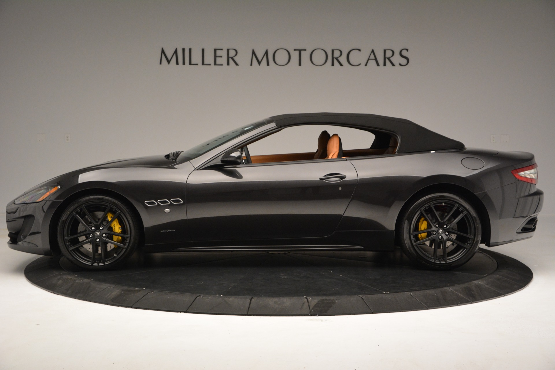 Used 2015 Maserati GranTurismo Sport Convertible For Sale In Greenwich, CT 2129_p16