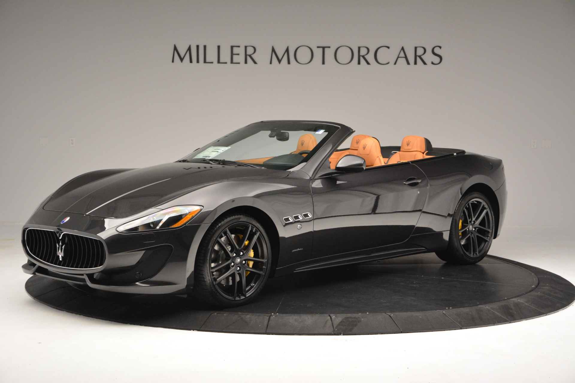 Used 2015 Maserati GranTurismo Sport Convertible For Sale In Greenwich, CT 2129_p3