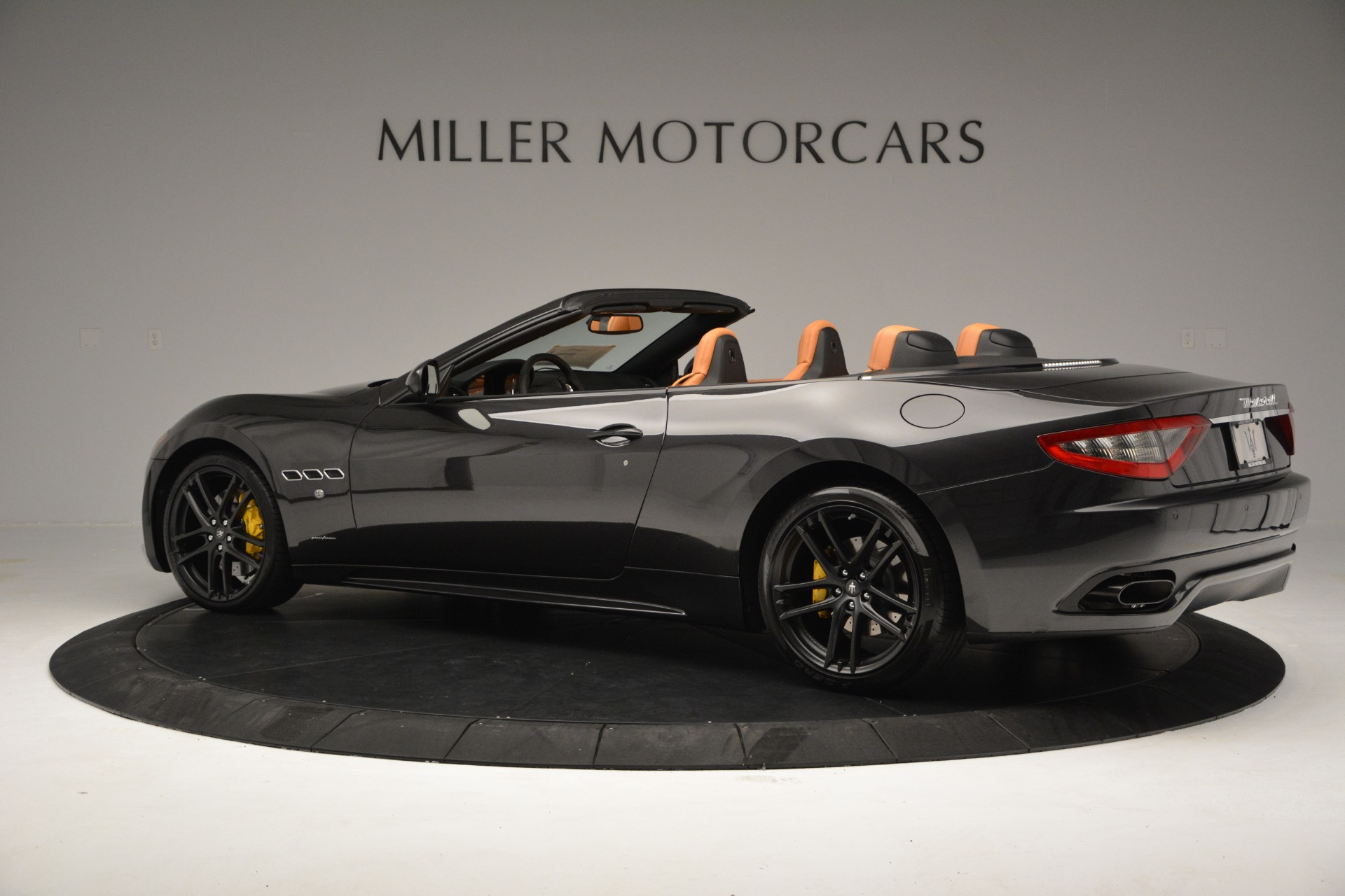 Used 2015 Maserati GranTurismo Sport Convertible For Sale In Greenwich, CT 2129_p5