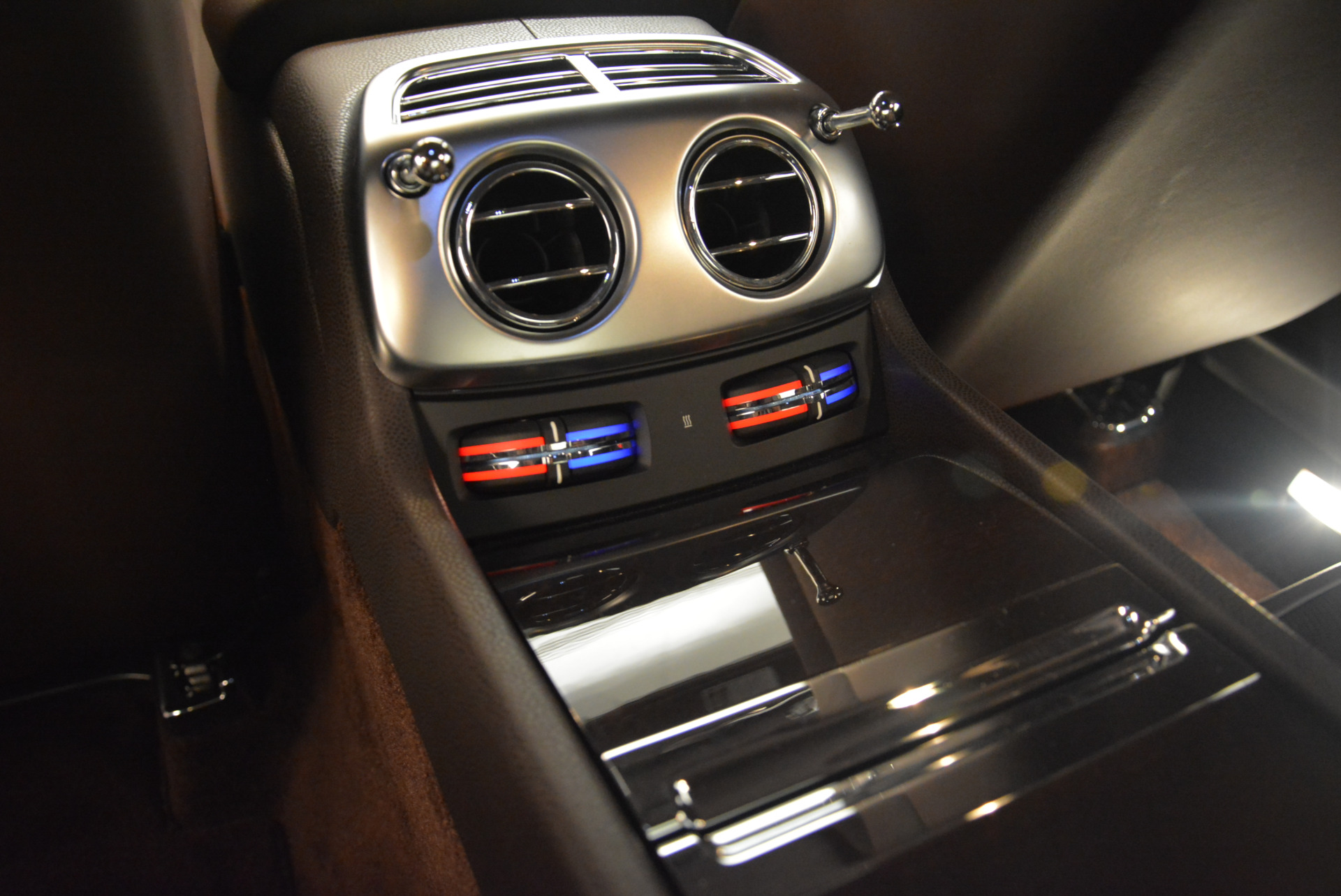 Used 2016 Rolls-Royce Wraith  For Sale In Greenwich, CT 214_p22