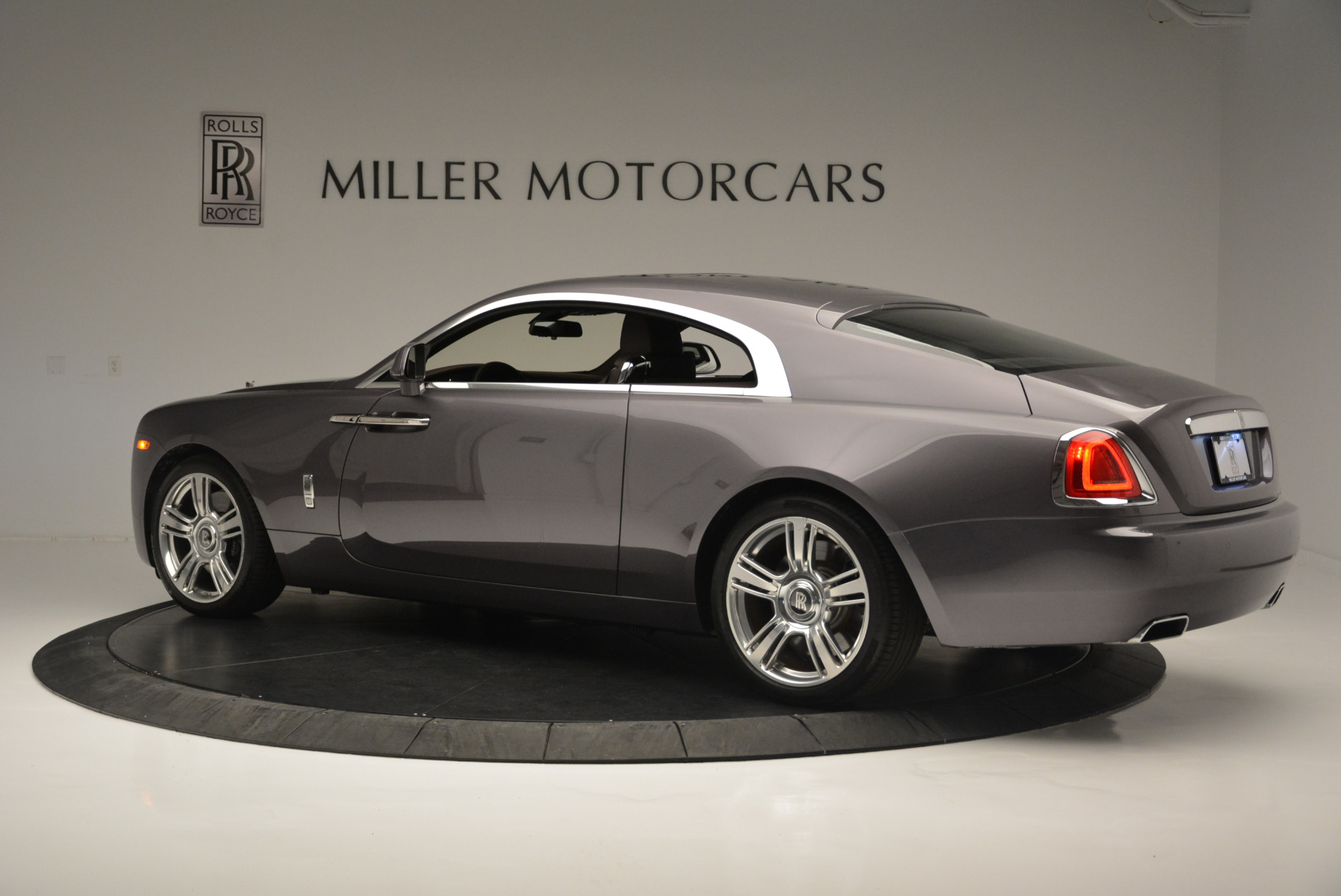 Used 2016 Rolls-Royce Wraith  For Sale In Greenwich, CT 214_p4