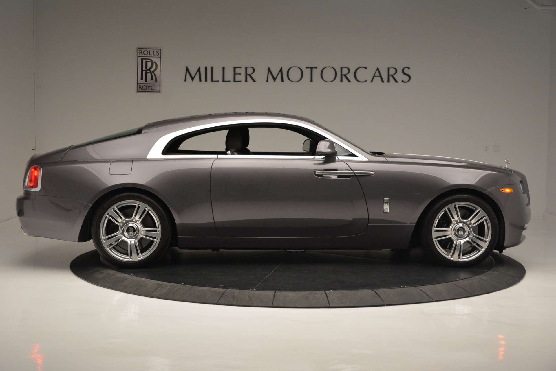 Used 2016 Rolls-Royce Wraith  For Sale In Greenwich, CT 214_p9