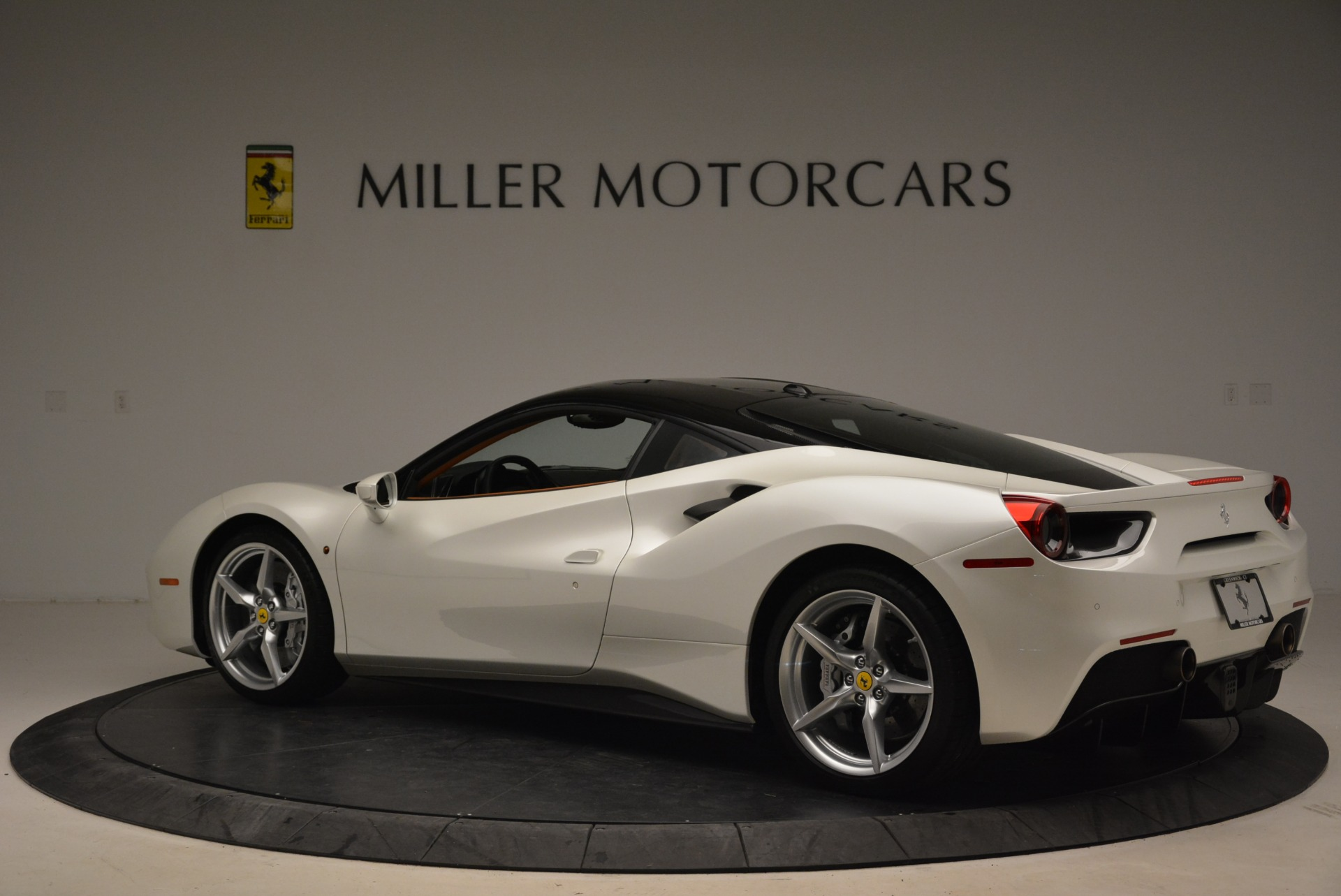 Used 2016 Ferrari 488 GTB  For Sale In Greenwich, CT 2148_p4