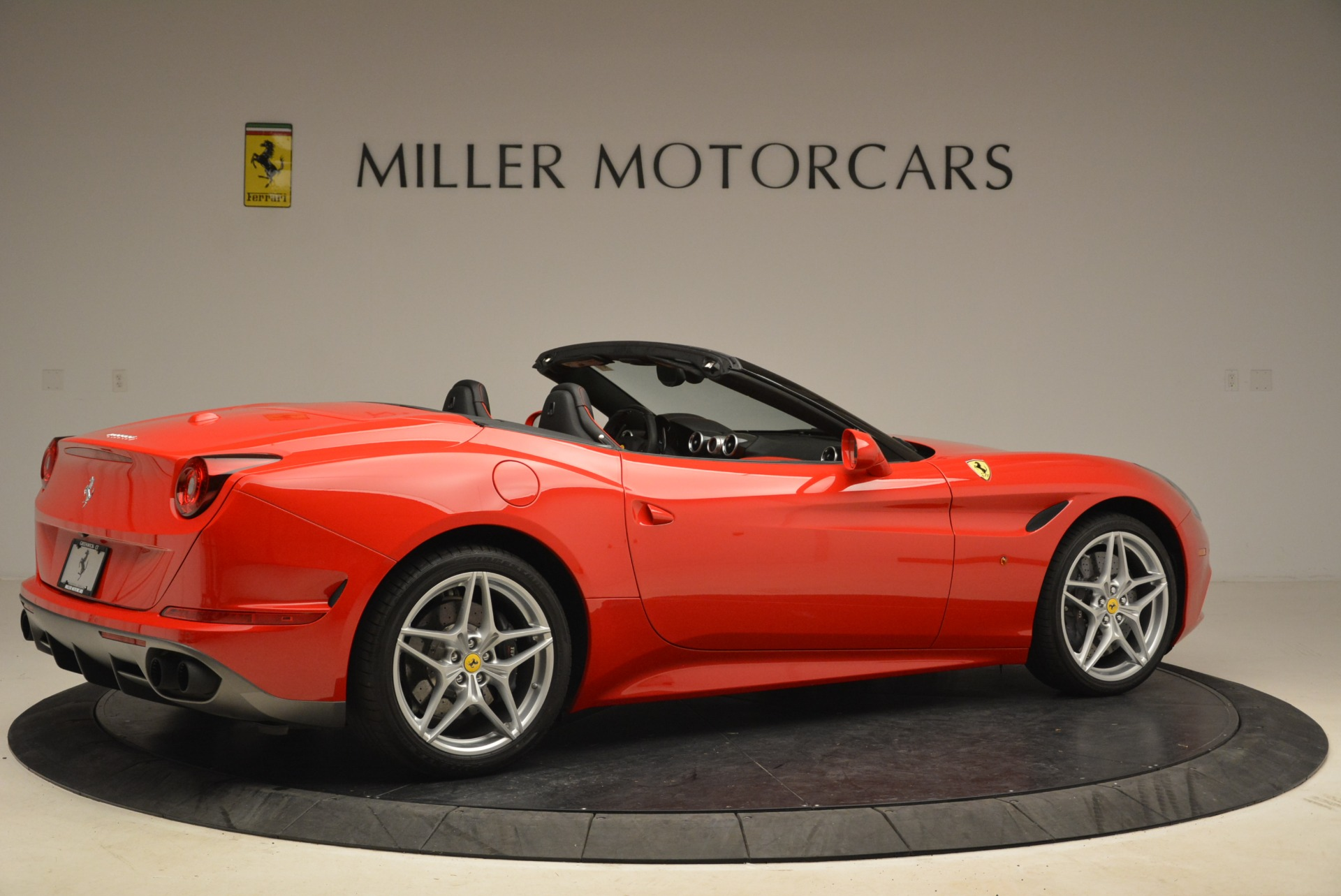 Used 2016 Ferrari California T Handling Speciale For Sale In Greenwich, CT 2153_p8