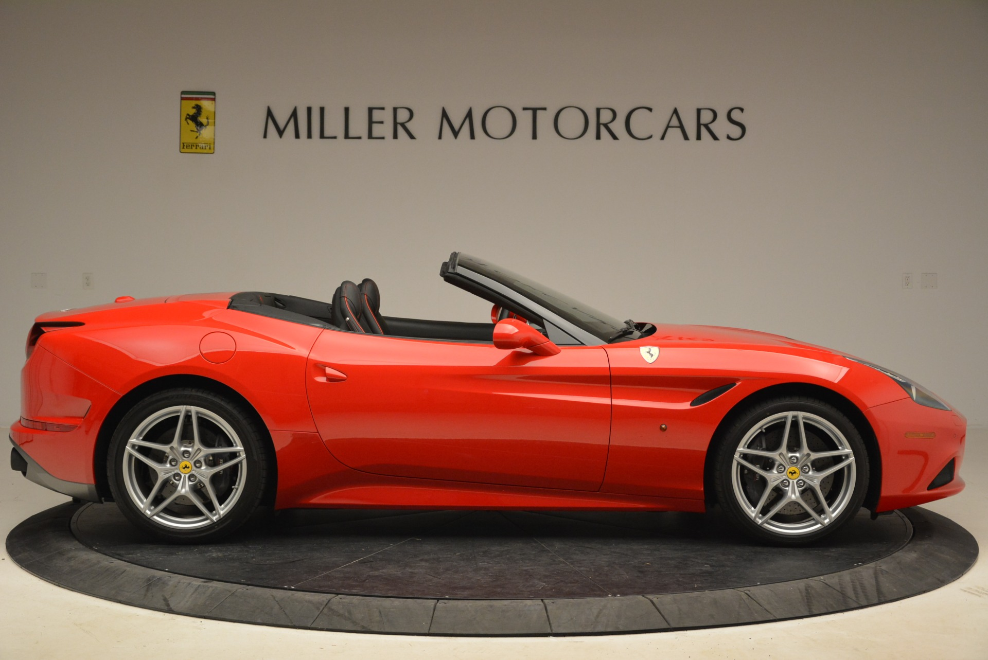 Used 2016 Ferrari California T Handling Speciale For Sale In Greenwich, CT 2153_p9