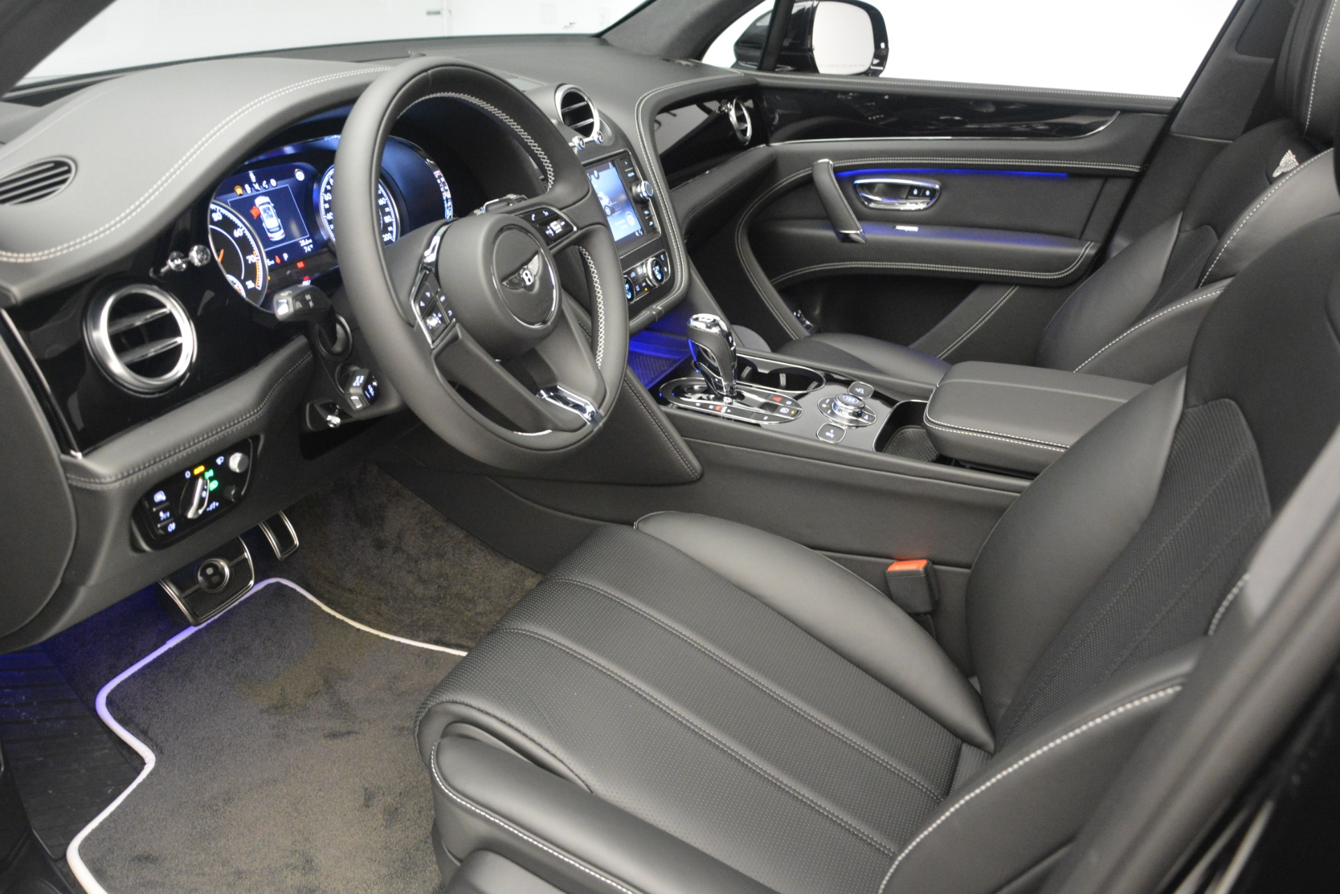 New 2019 Bentley Bentayga V8 For Sale In Greenwich, CT 2160_p17