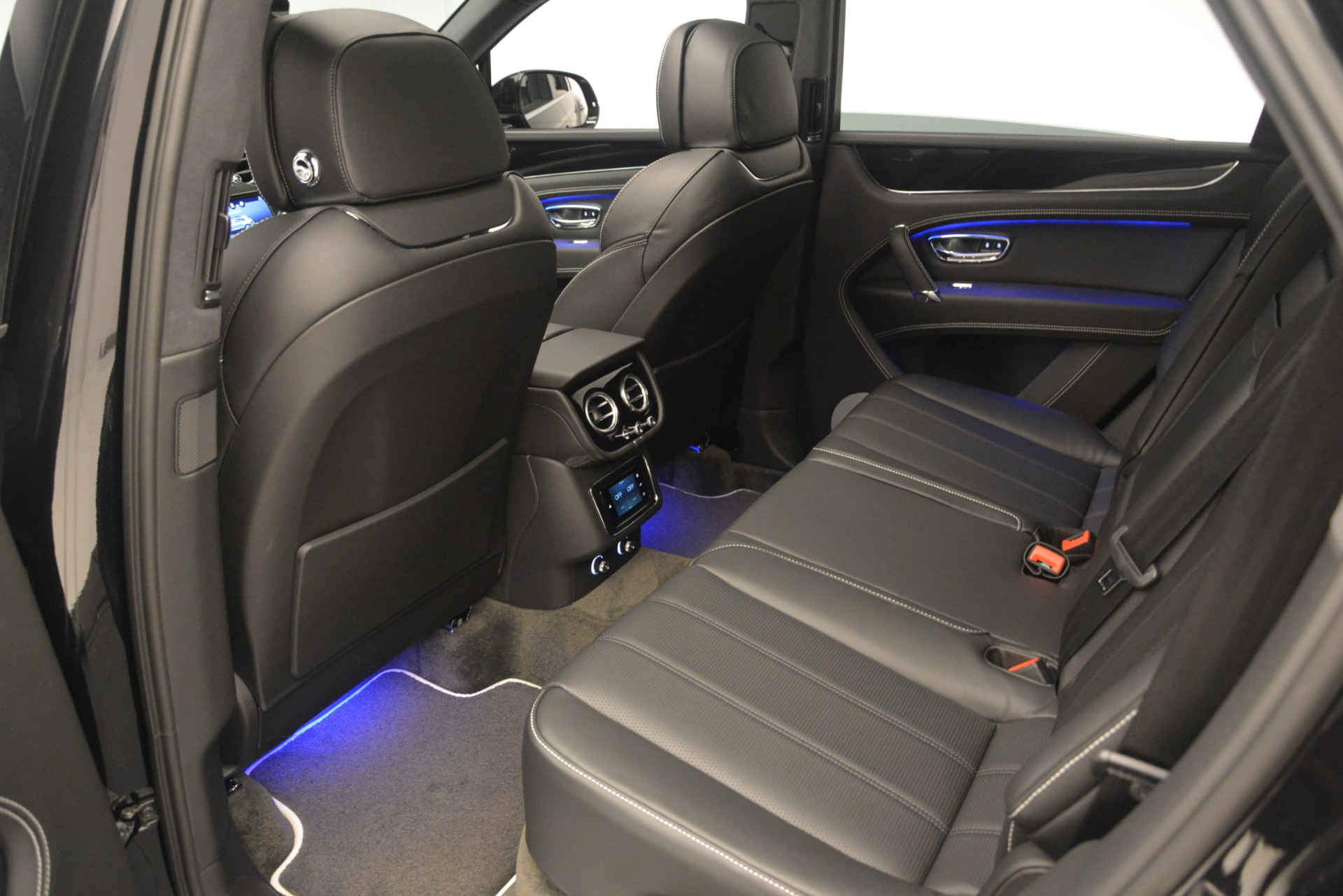 New 2019 Bentley Bentayga V8 For Sale In Greenwich, CT 2160_p23