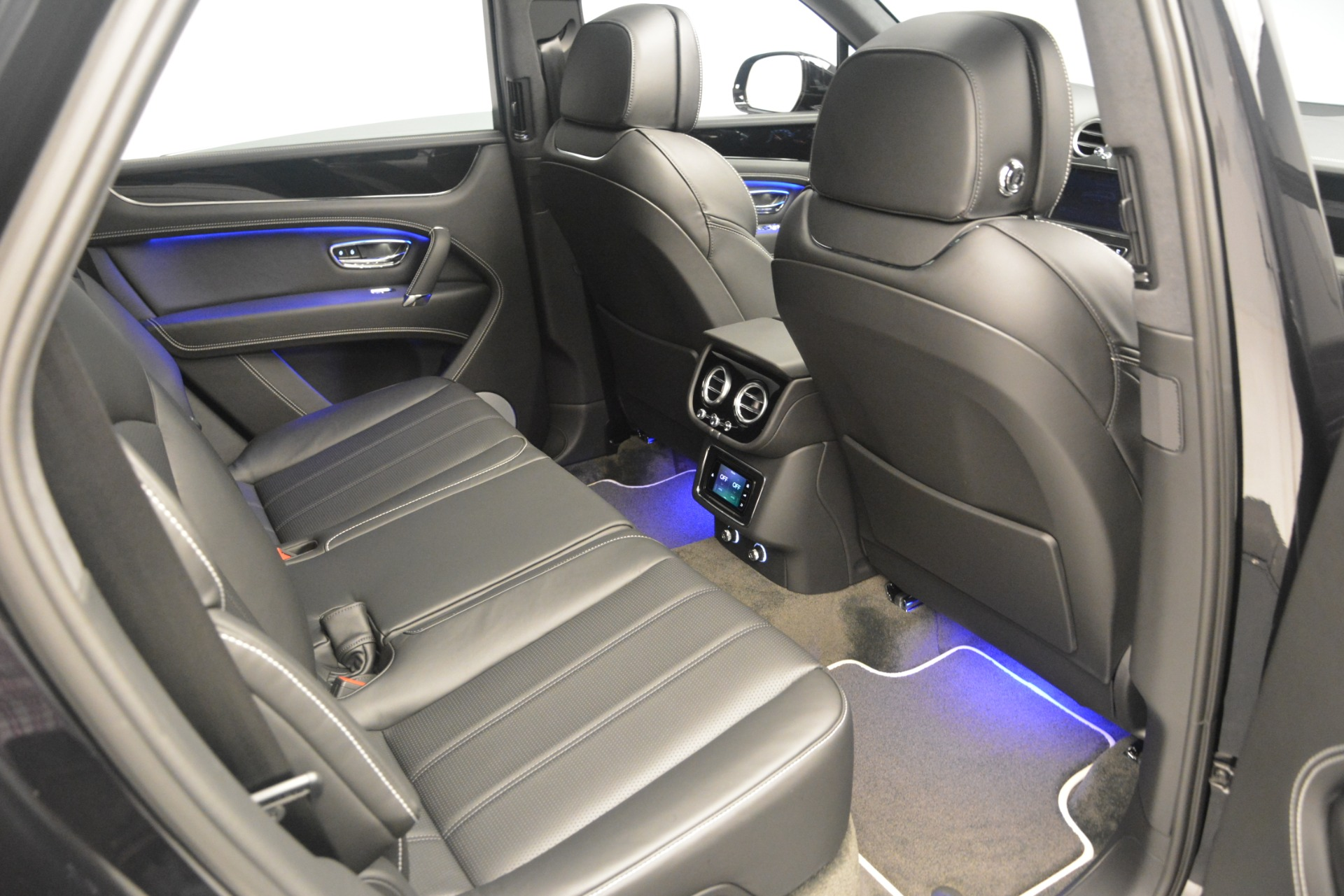 New 2019 Bentley Bentayga V8 For Sale In Greenwich, CT 2160_p28