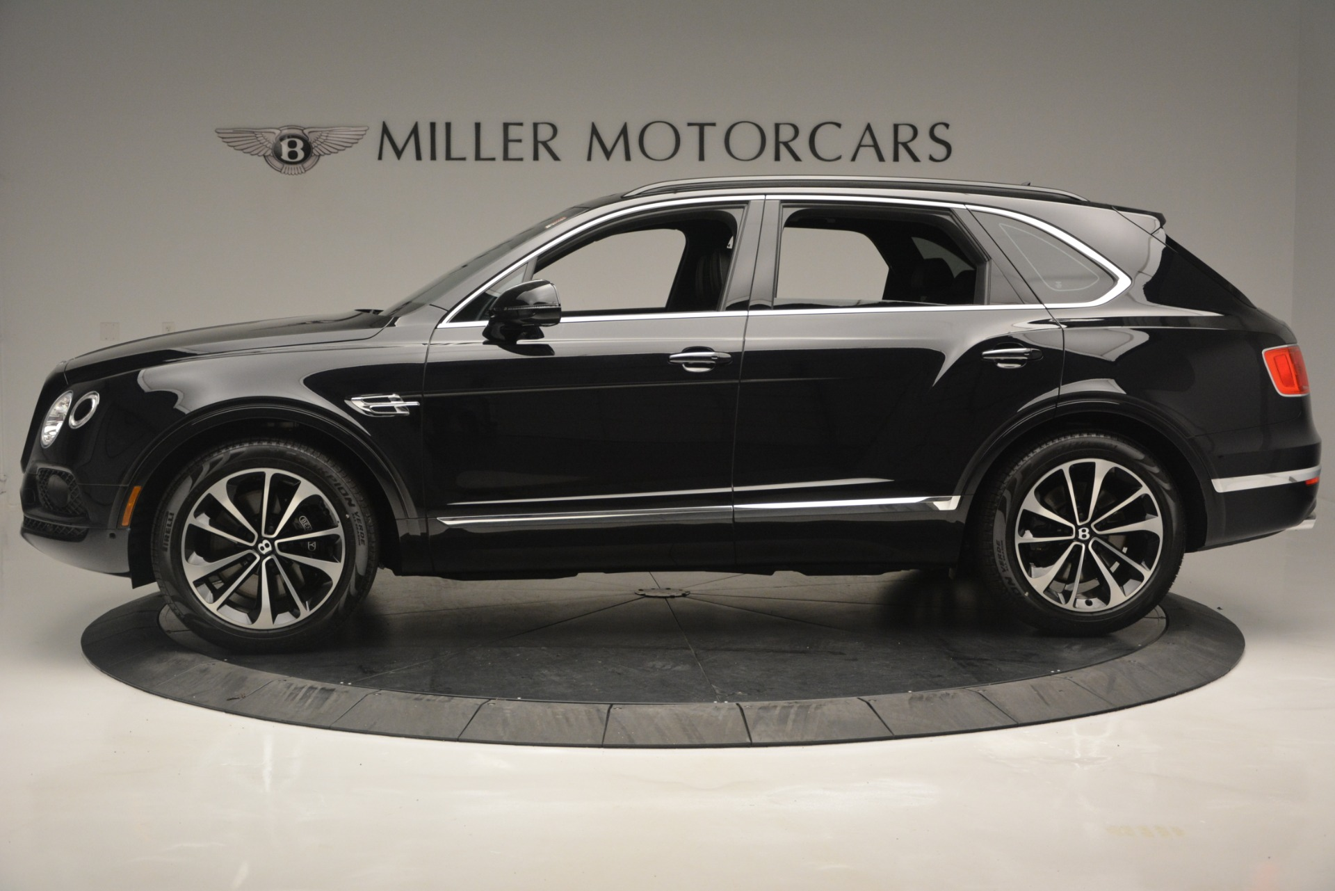 New 2019 Bentley Bentayga V8 For Sale In Greenwich, CT 2160_p3
