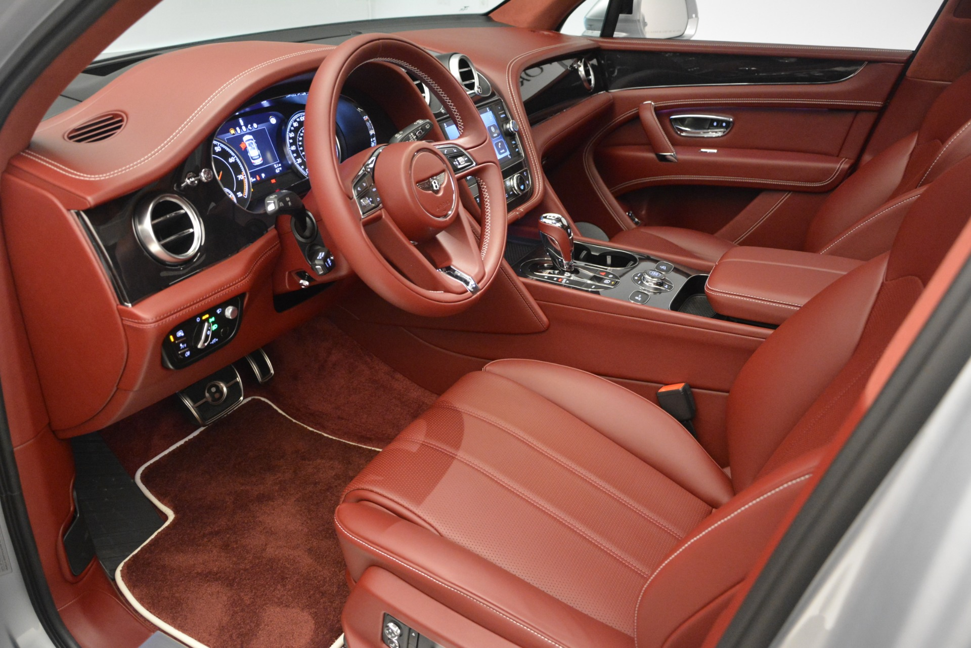 New 2019 Bentley Bentayga V8 For Sale In Greenwich, CT 2161_p17