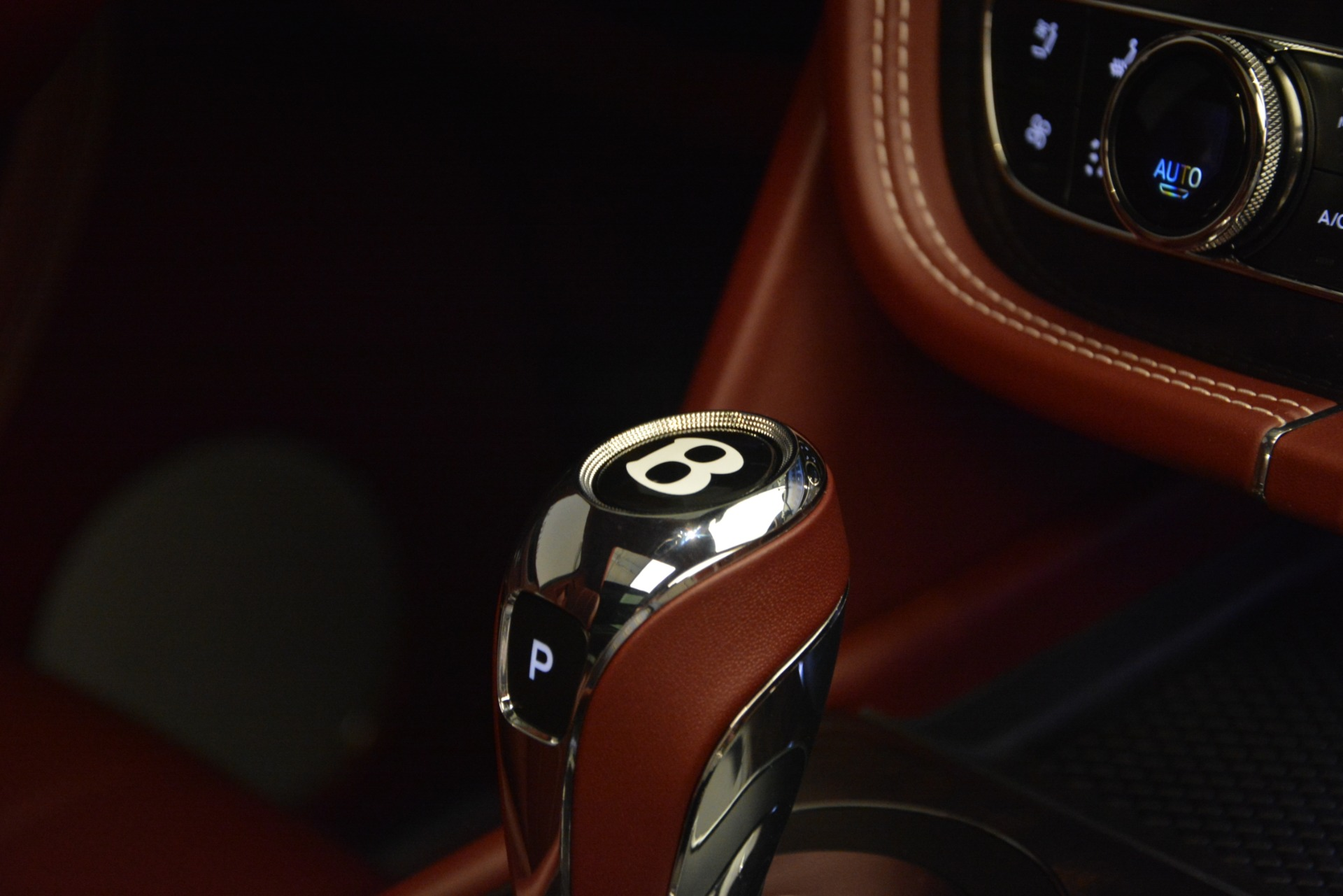 New 2019 Bentley Bentayga V8 For Sale In Greenwich, CT 2161_p23