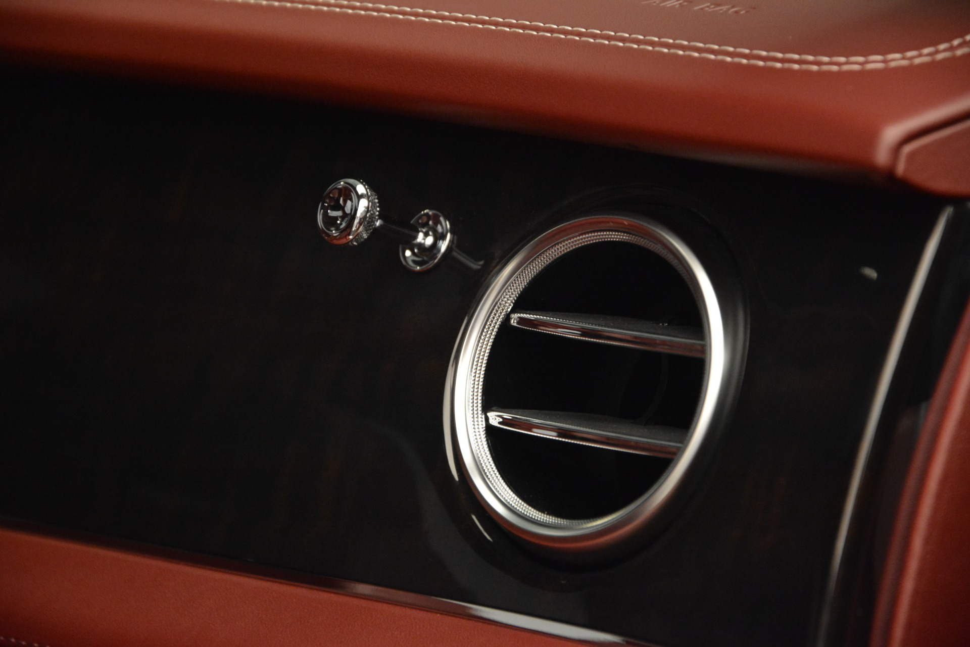 New 2019 Bentley Bentayga V8 For Sale In Greenwich, CT 2161_p24