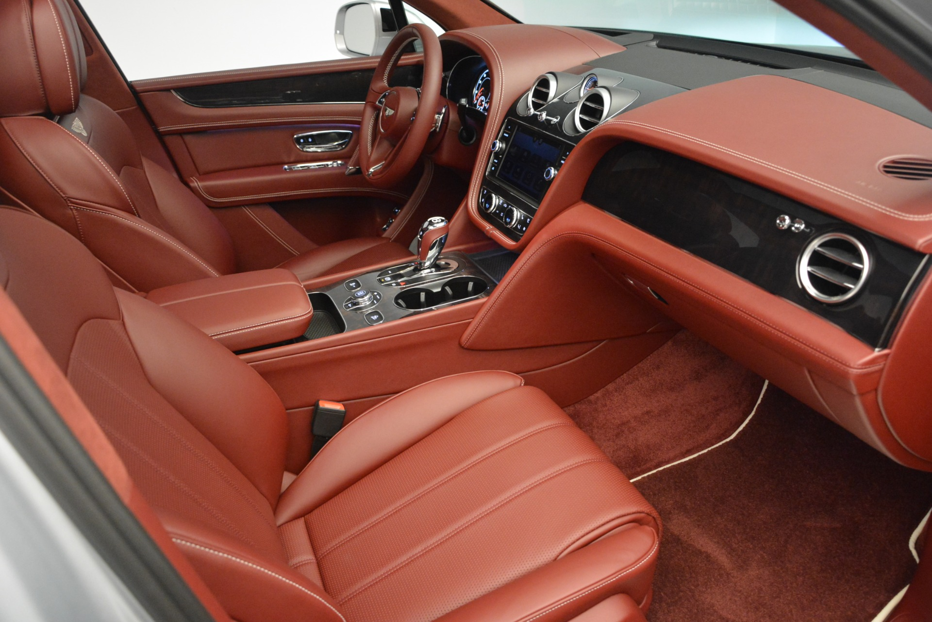 New 2019 Bentley Bentayga V8 For Sale In Greenwich, CT 2161_p29