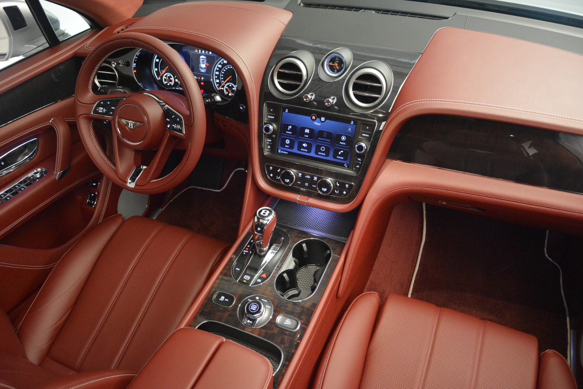New 2019 Bentley Bentayga V8 For Sale In Greenwich, CT 2161_p30