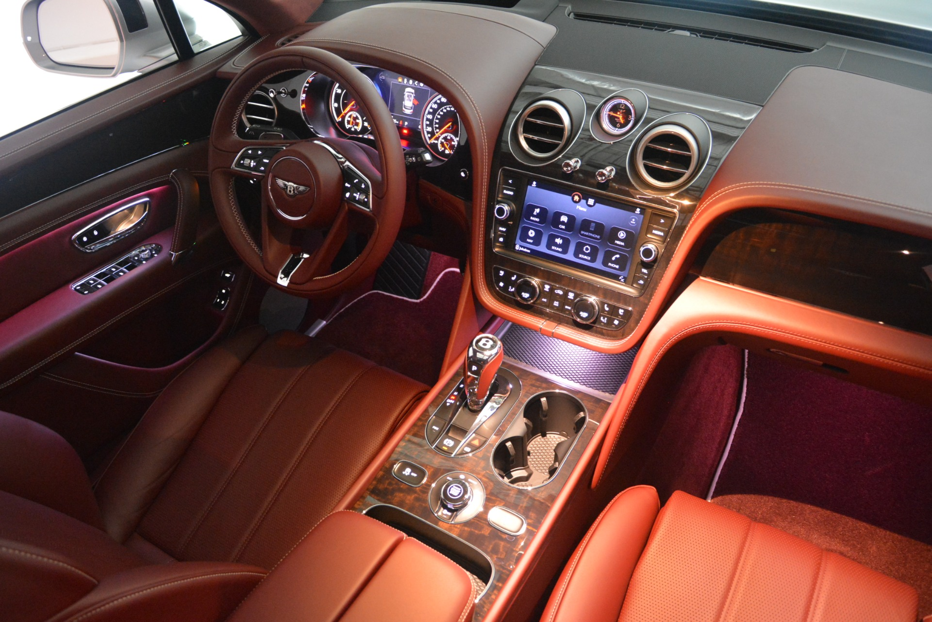 New 2019 Bentley Bentayga V8 For Sale In Greenwich, CT 2161_p31