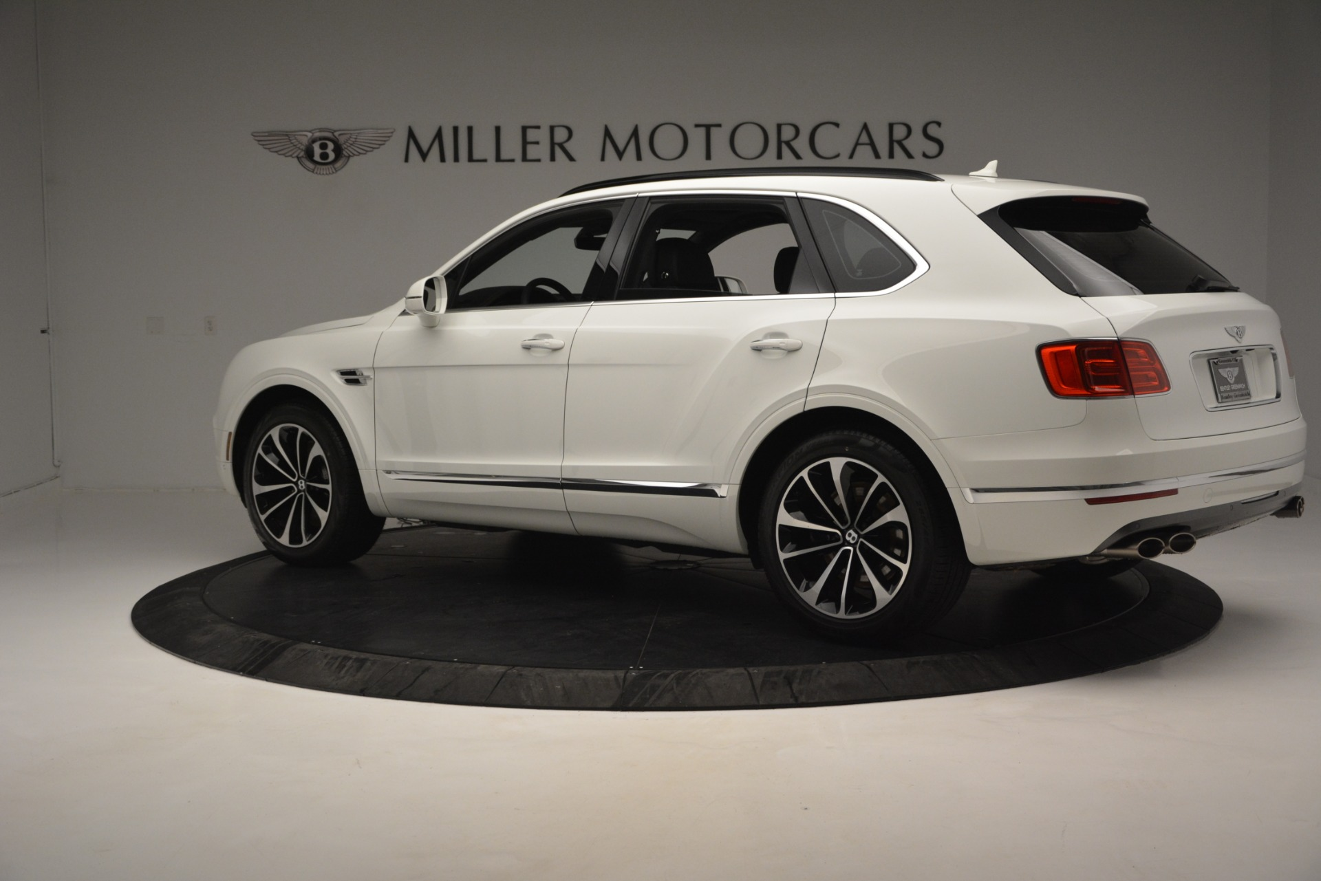 Used 2019 Bentley Bentayga V8 For Sale In Greenwich, CT 2162_p3