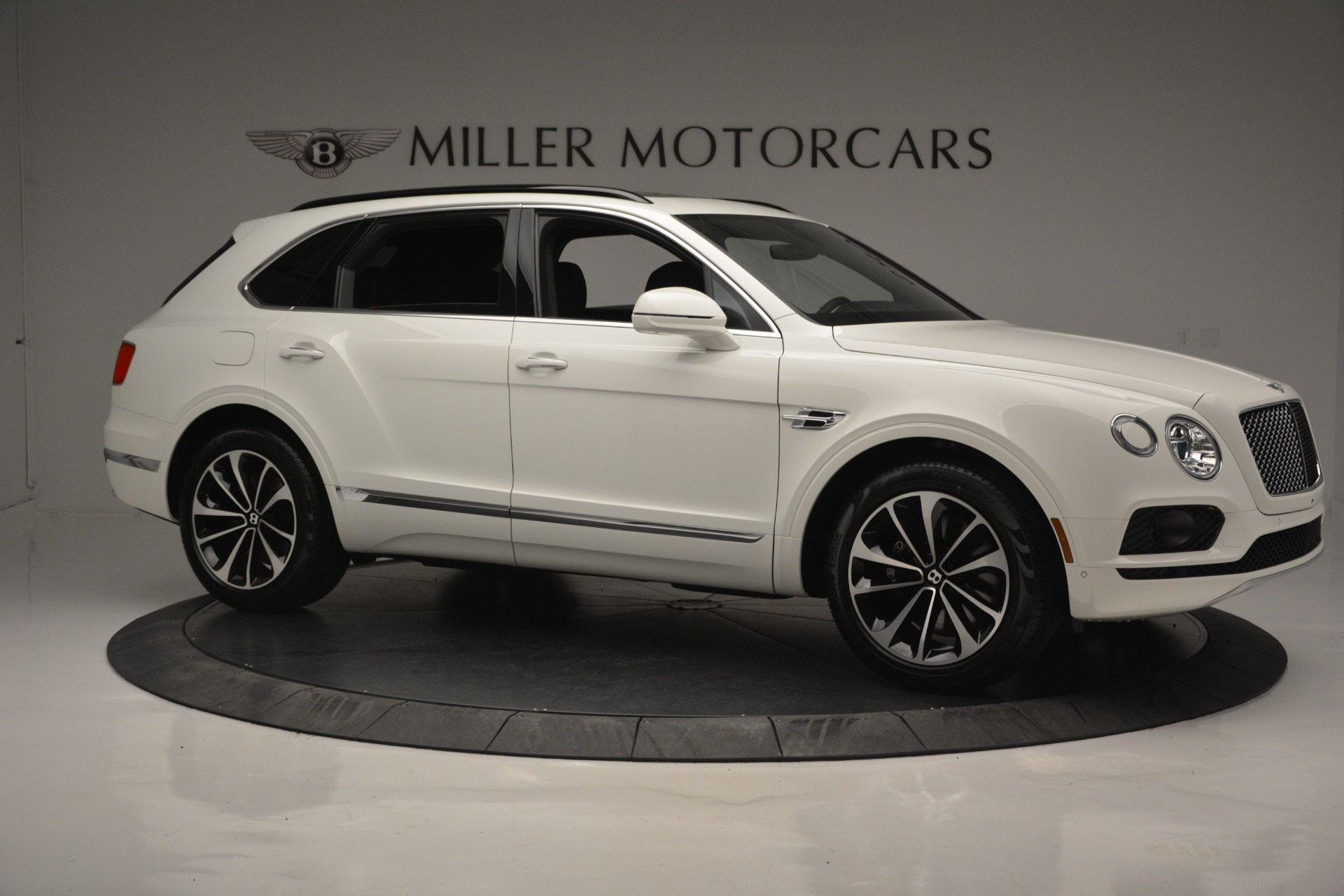 Used 2019 Bentley Bentayga V8 For Sale In Greenwich, CT 2162_p9