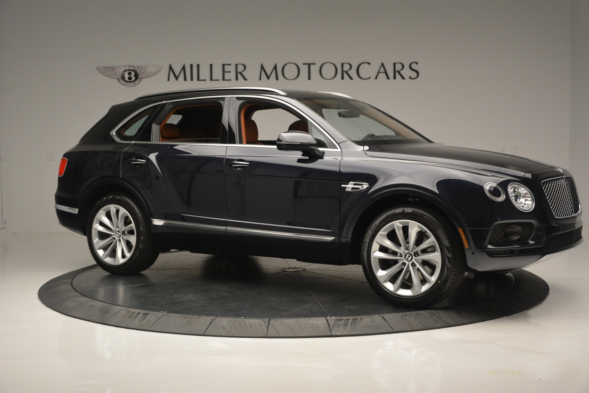New 2019 Bentley Bentayga V8 For Sale In Greenwich, CT 2163_p10
