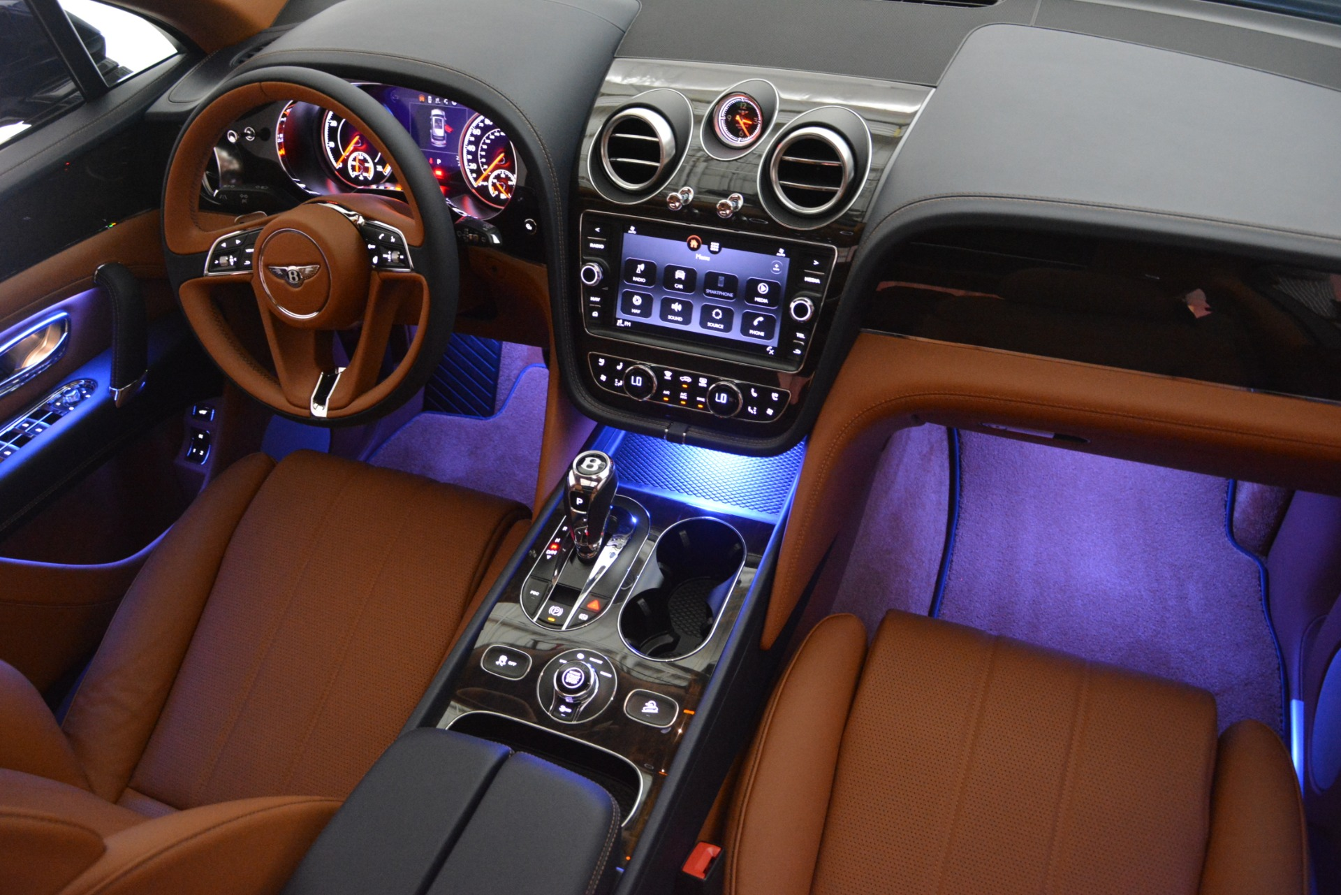New 2019 Bentley Bentayga V8 For Sale In Greenwich, CT 2163_p30
