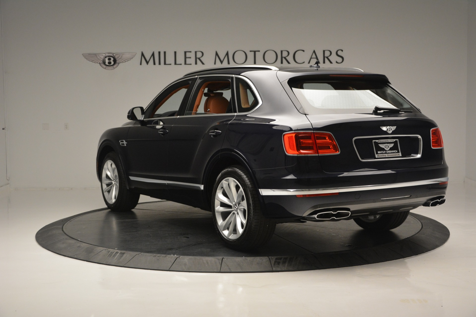 New 2019 Bentley Bentayga V8 For Sale In Greenwich, CT 2163_p5
