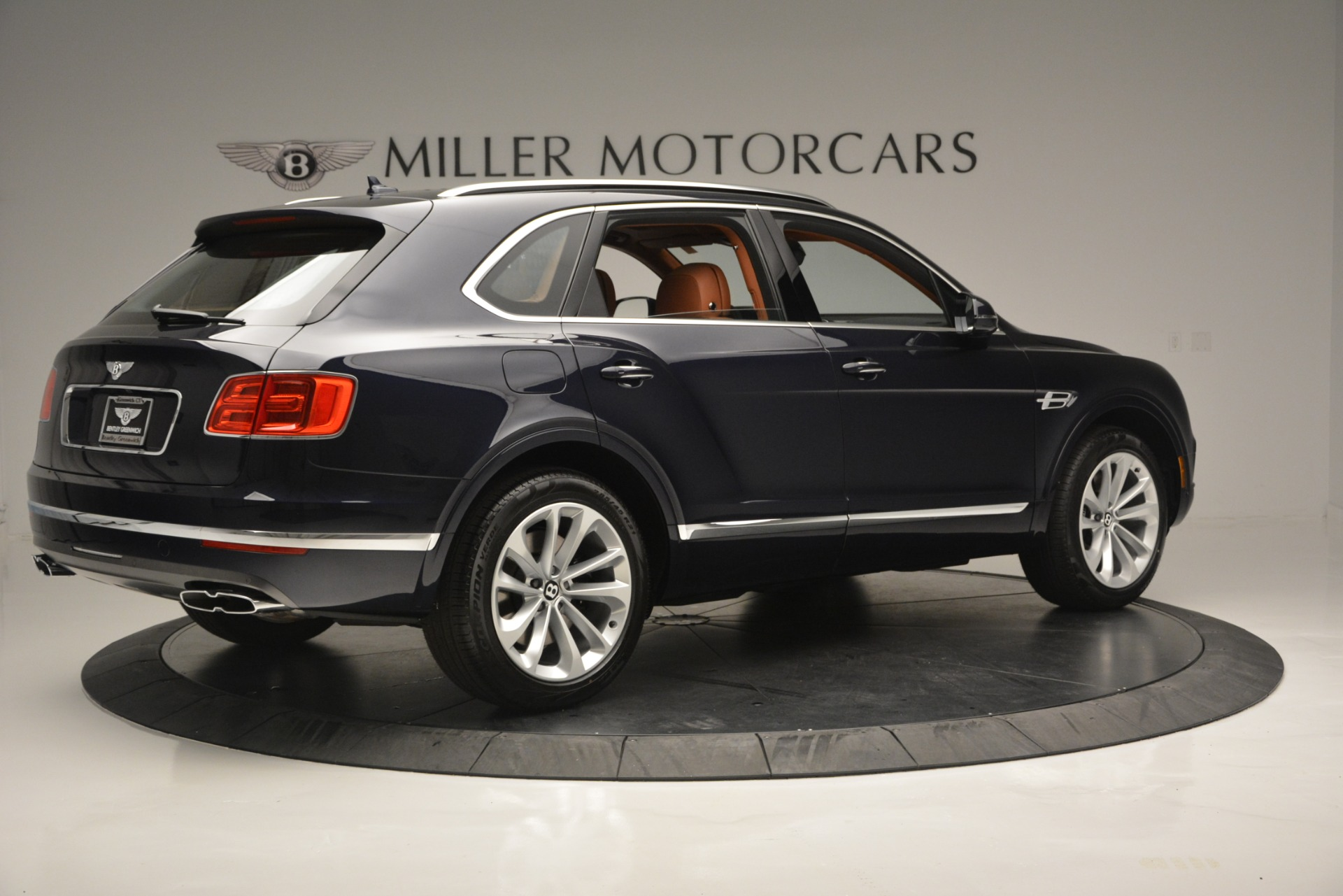 New 2019 Bentley Bentayga V8 For Sale In Greenwich, CT 2163_p8