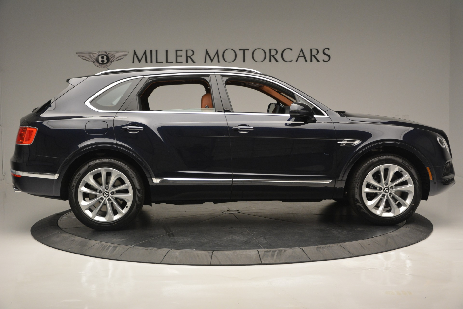 New 2019 Bentley Bentayga V8 For Sale In Greenwich, CT 2163_p9
