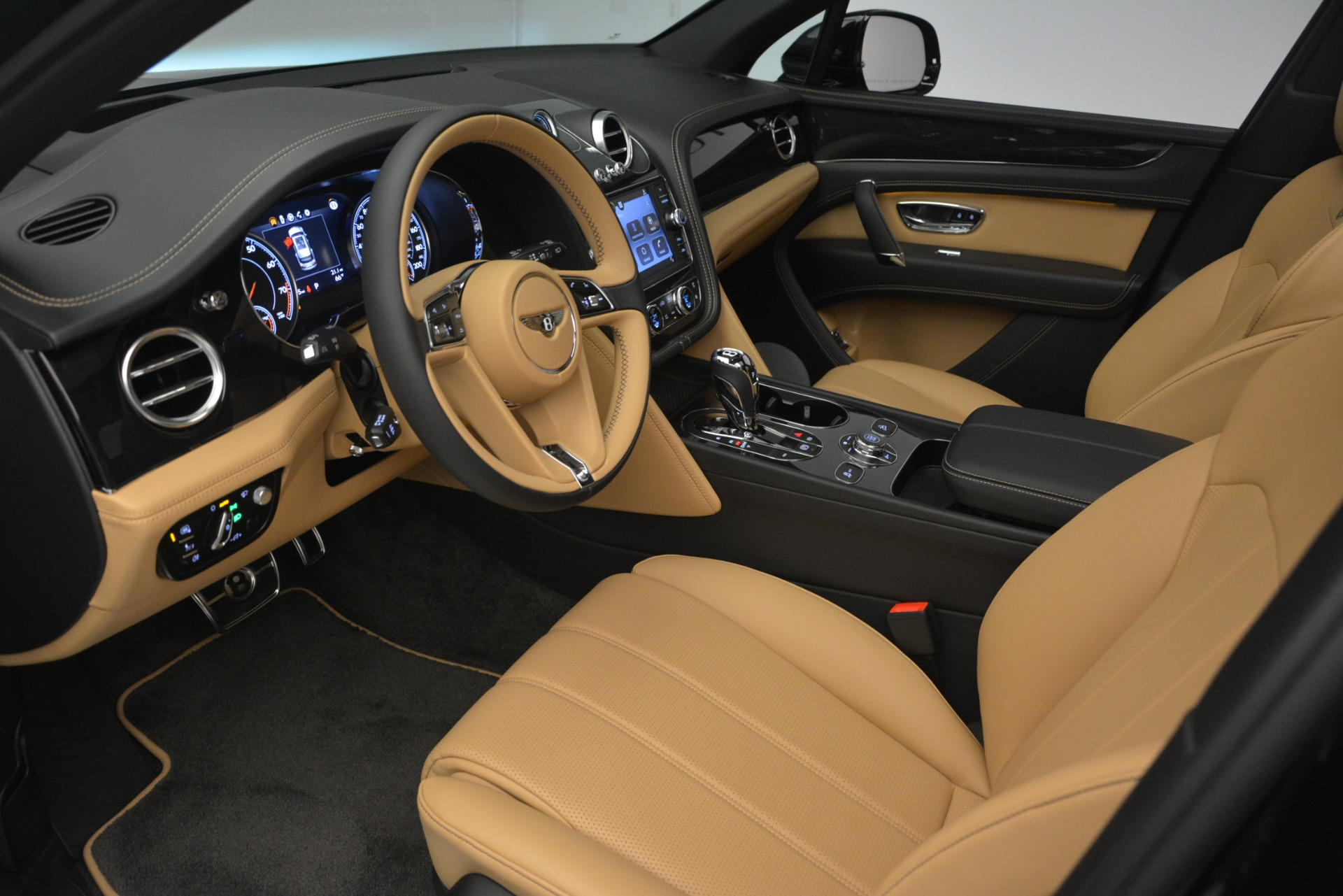New 2019 Bentley Bentayga V8 For Sale In Greenwich, CT 2164_p17