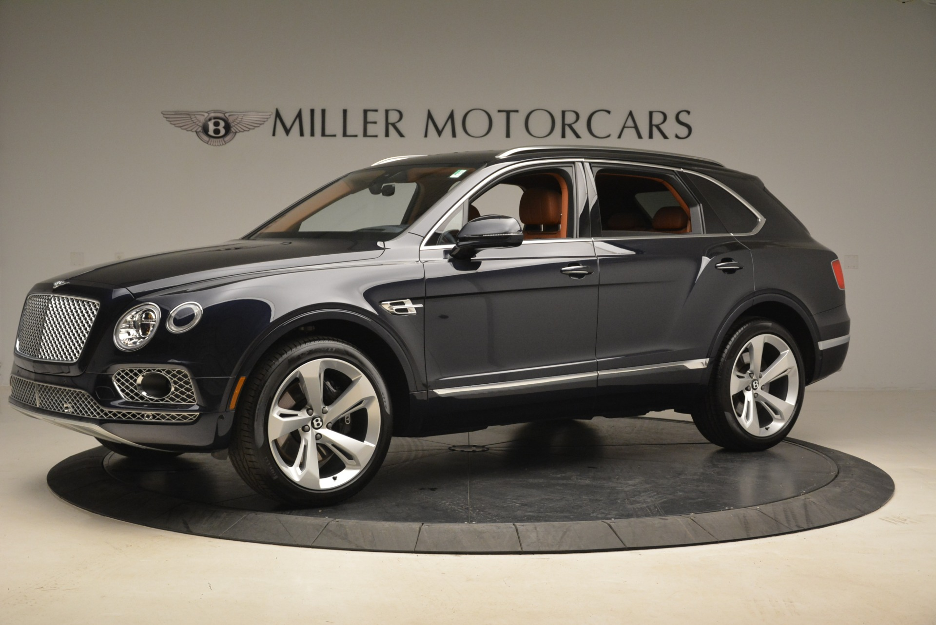 Used 2018 Bentley Bentayga W12 Signature For Sale In Greenwich, CT 2165_p2