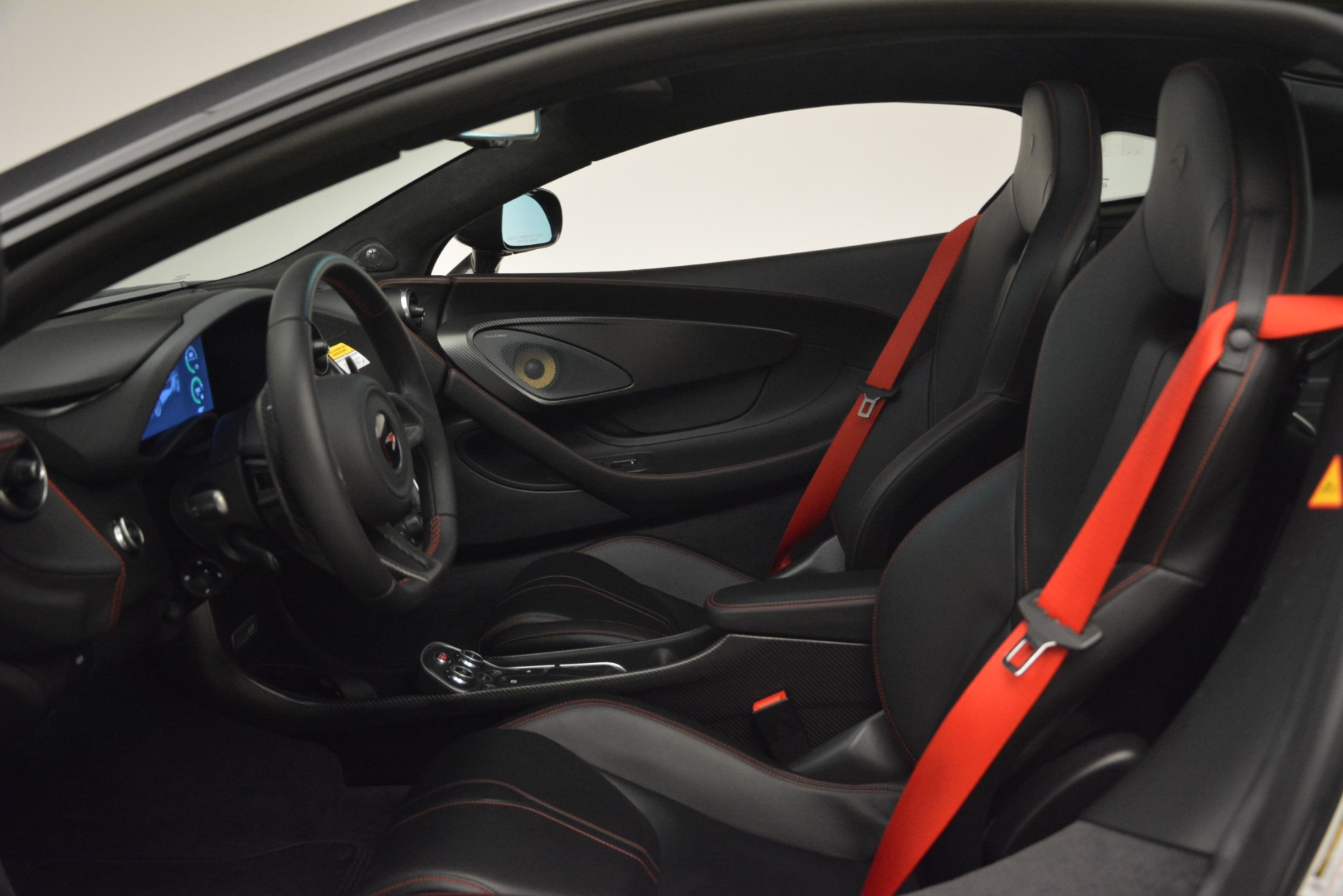 Used 2018 McLaren 570GT  For Sale In Greenwich, CT 2166_p16