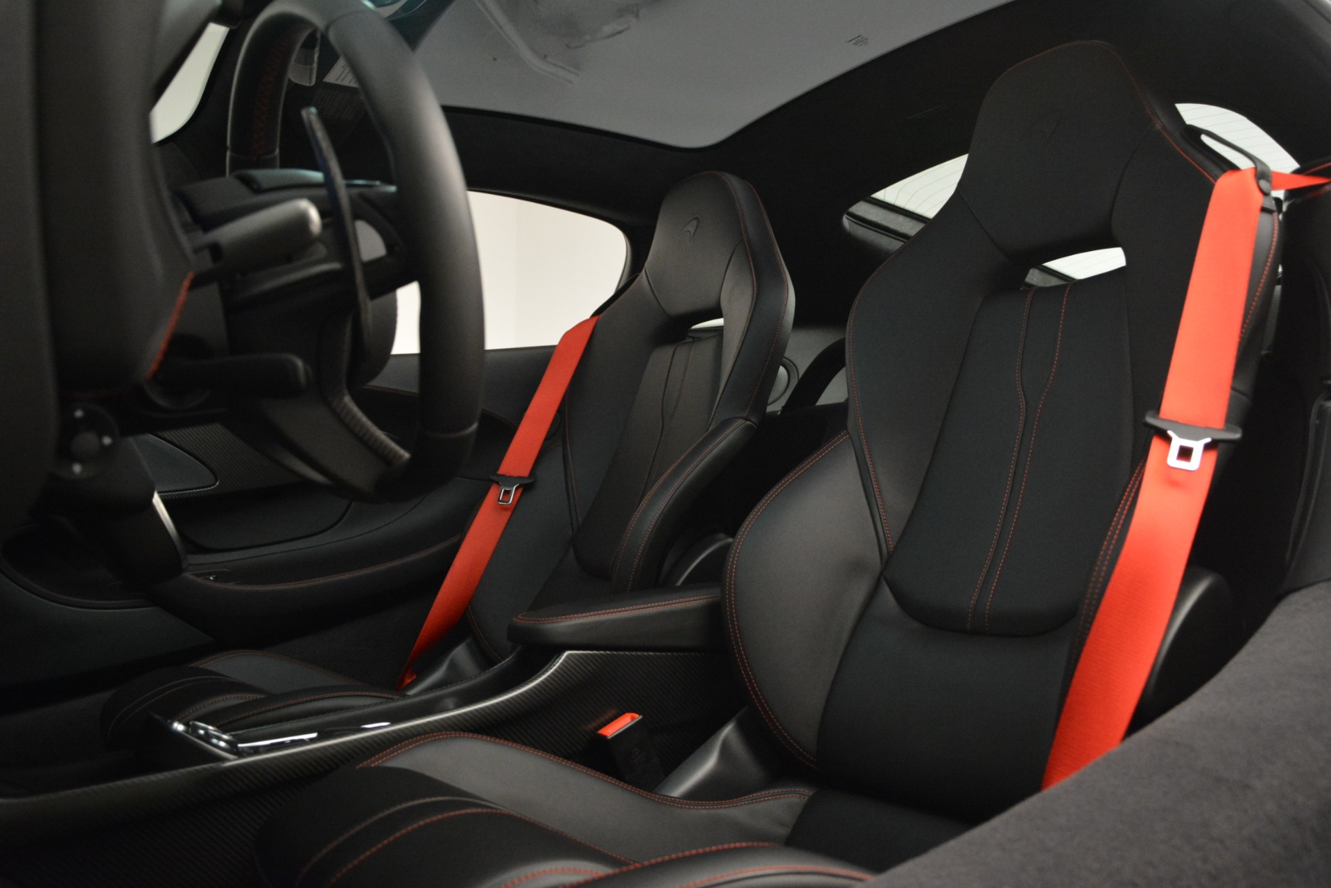Used 2018 McLaren 570GT  For Sale In Greenwich, CT 2166_p17