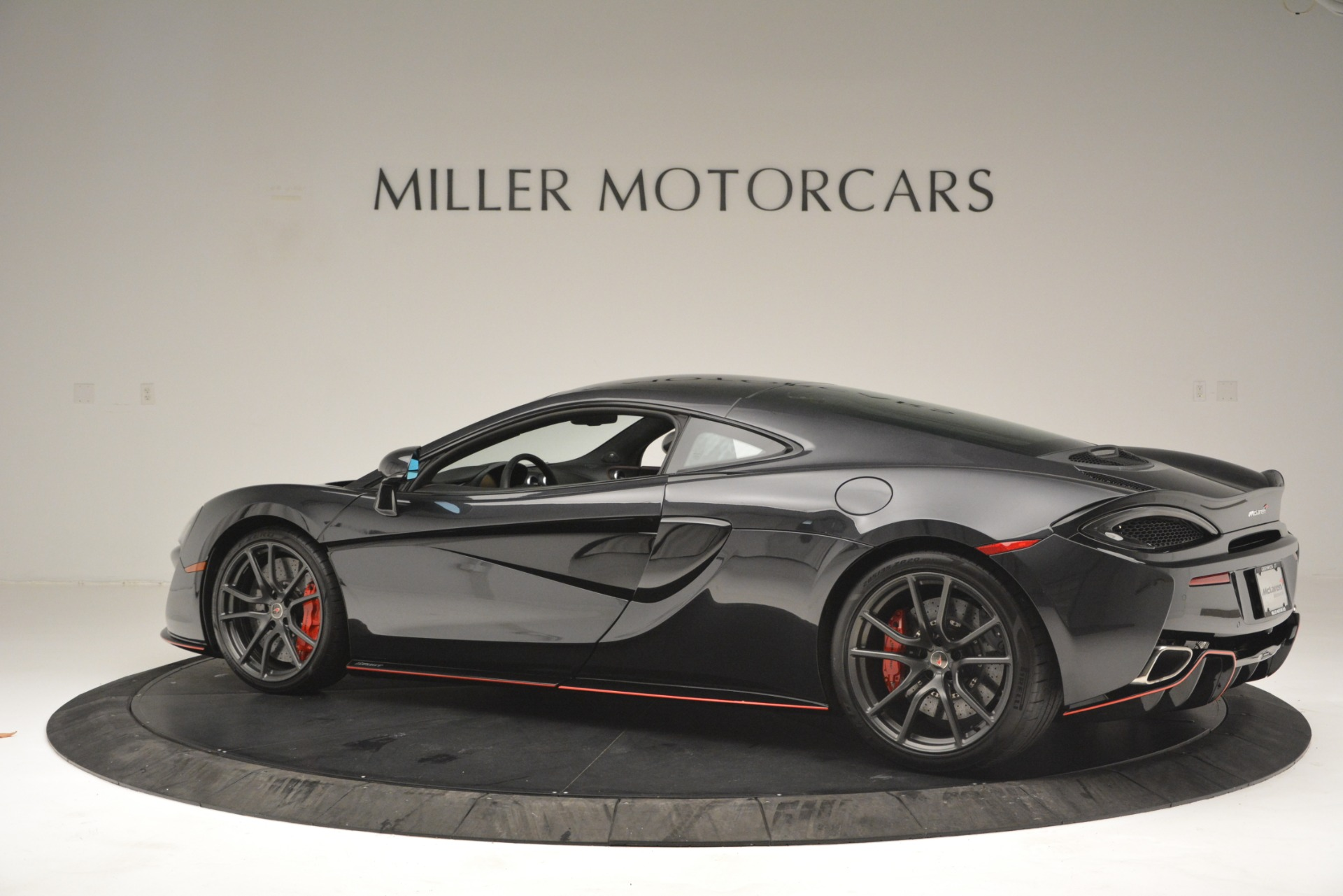 Used 2018 McLaren 570GT  For Sale In Greenwich, CT 2166_p4