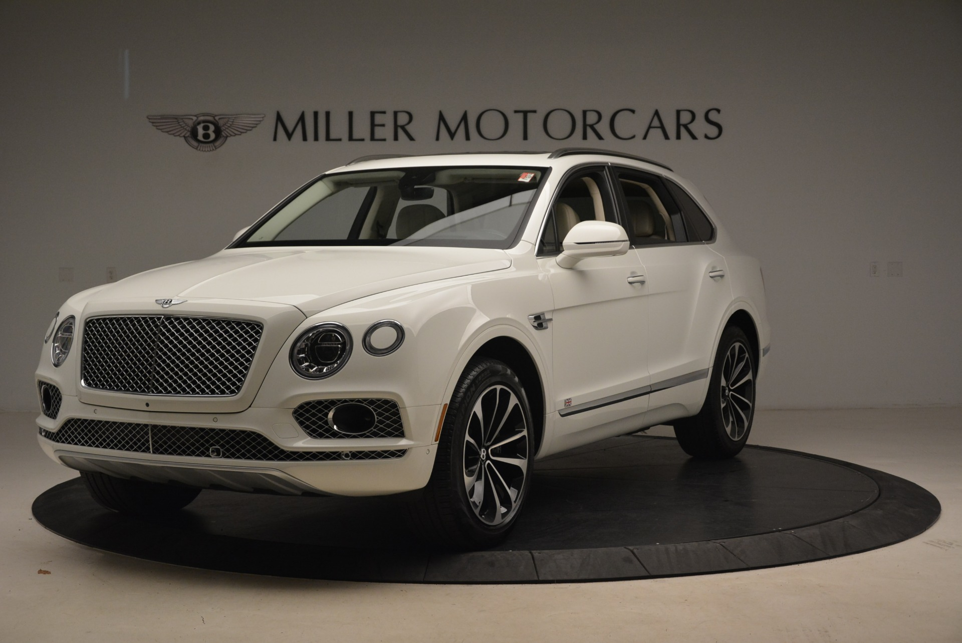 Used 2018 Bentley Bentayga Signature For Sale In Greenwich, CT 2168_main