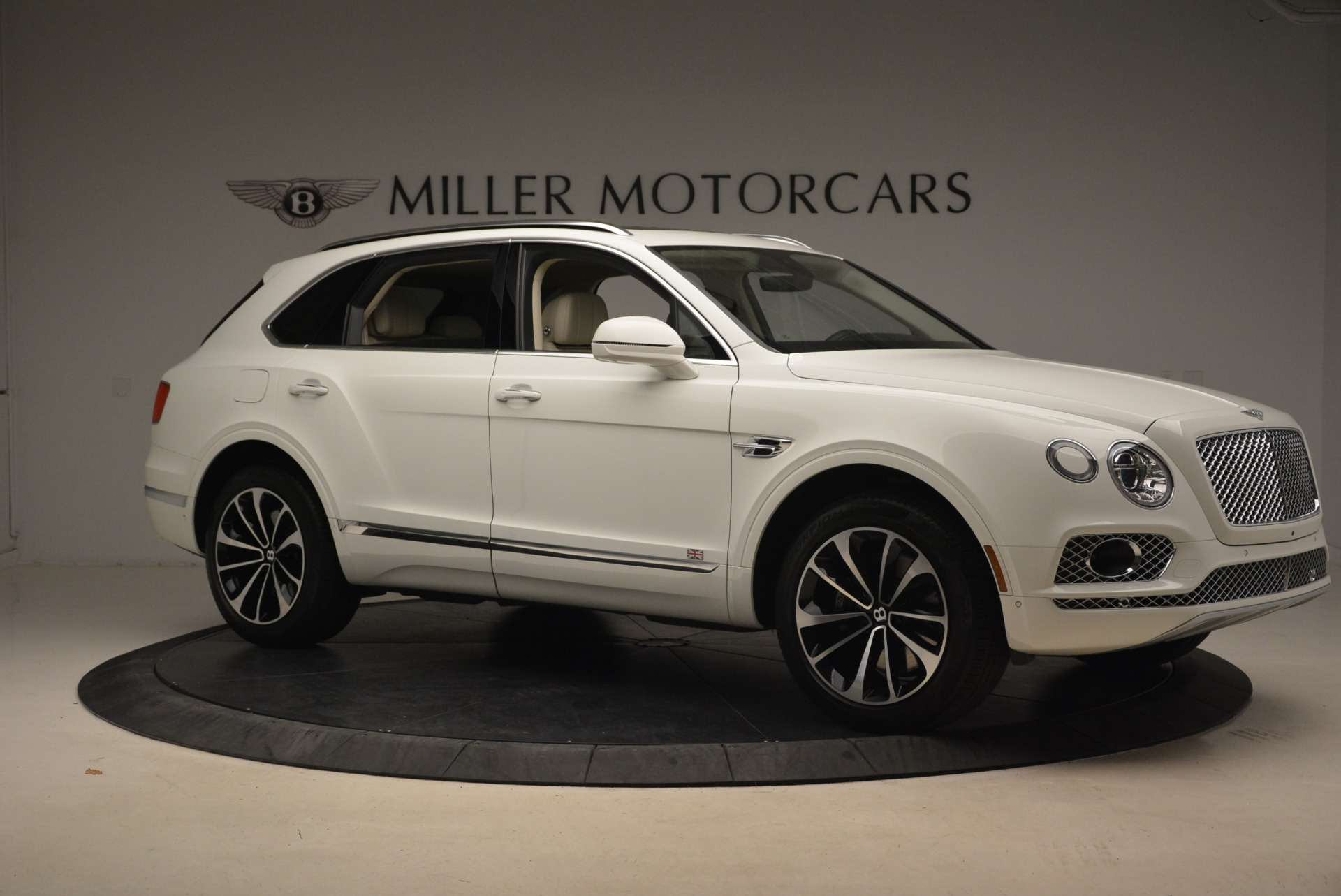 Used 2018 Bentley Bentayga Signature For Sale In Greenwich, CT 2168_p10