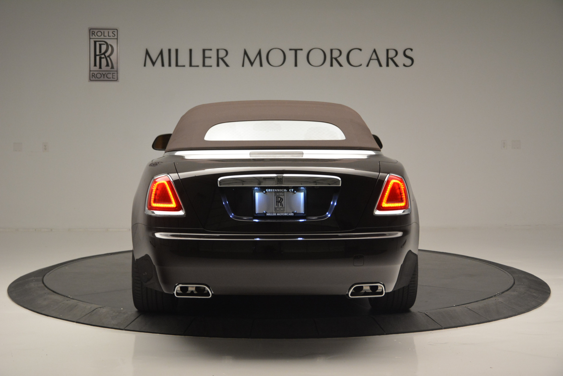 Used 2018 Rolls-Royce Dawn  For Sale In Greenwich, CT 2178_p12