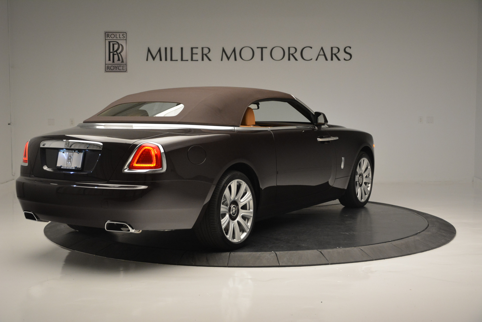 Used 2018 Rolls-Royce Dawn  For Sale In Greenwich, CT 2178_p13
