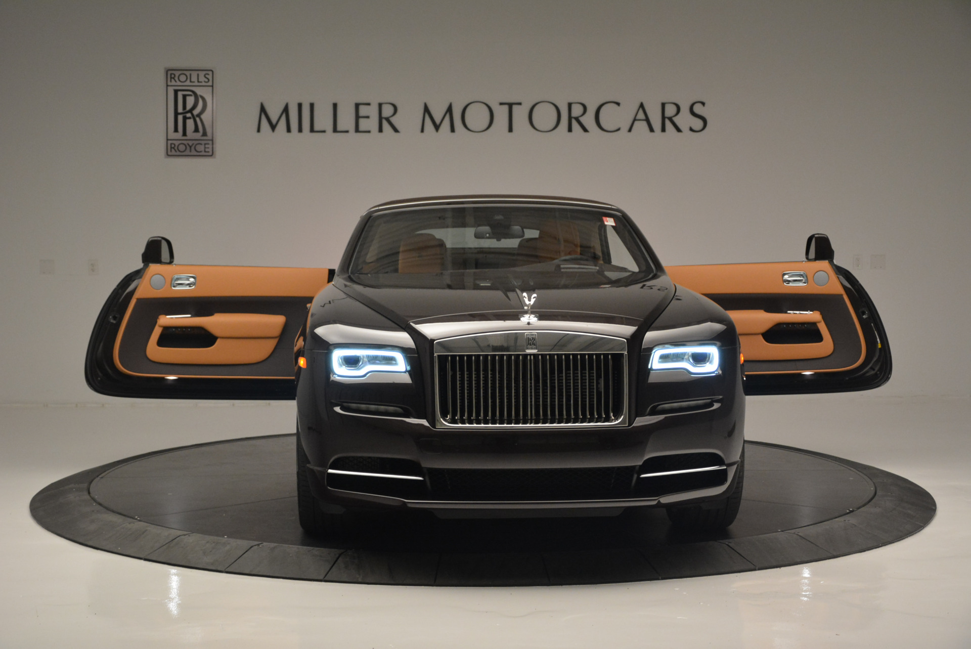 Used 2018 Rolls-Royce Dawn  For Sale In Greenwich, CT 2178_p16
