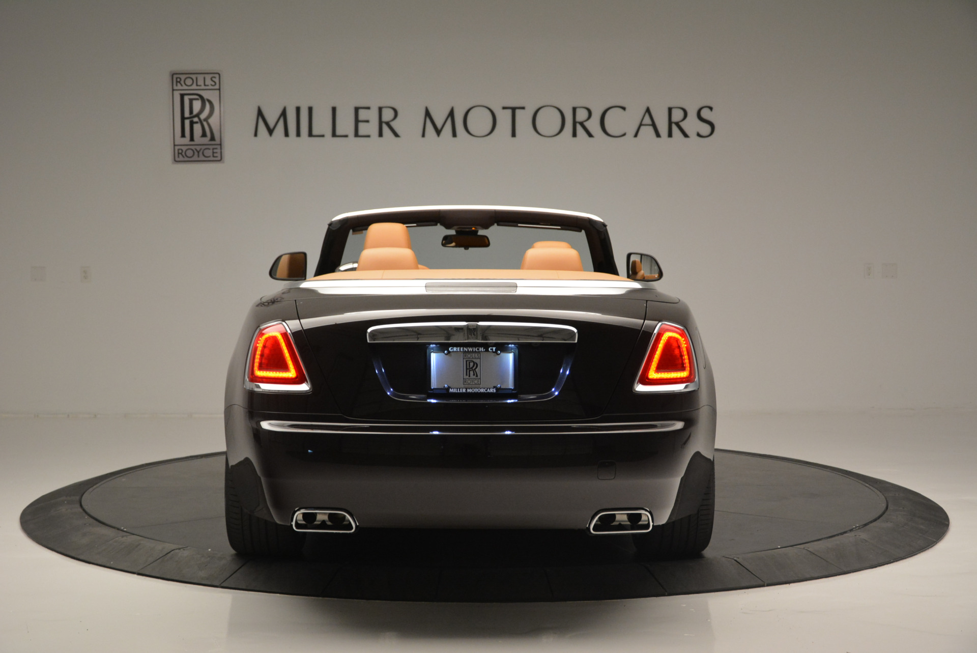 Used 2018 Rolls-Royce Dawn  For Sale In Greenwich, CT 2178_p4
