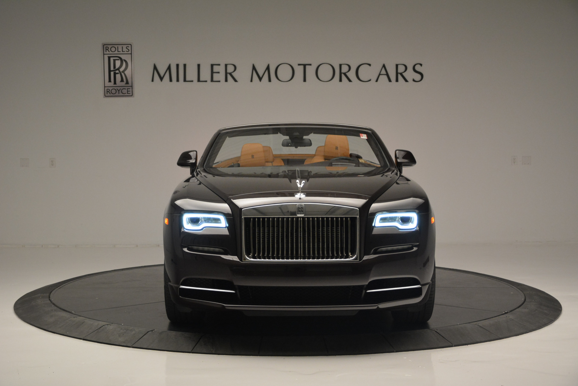 Used 2018 Rolls-Royce Dawn  For Sale In Greenwich, CT 2178_p8