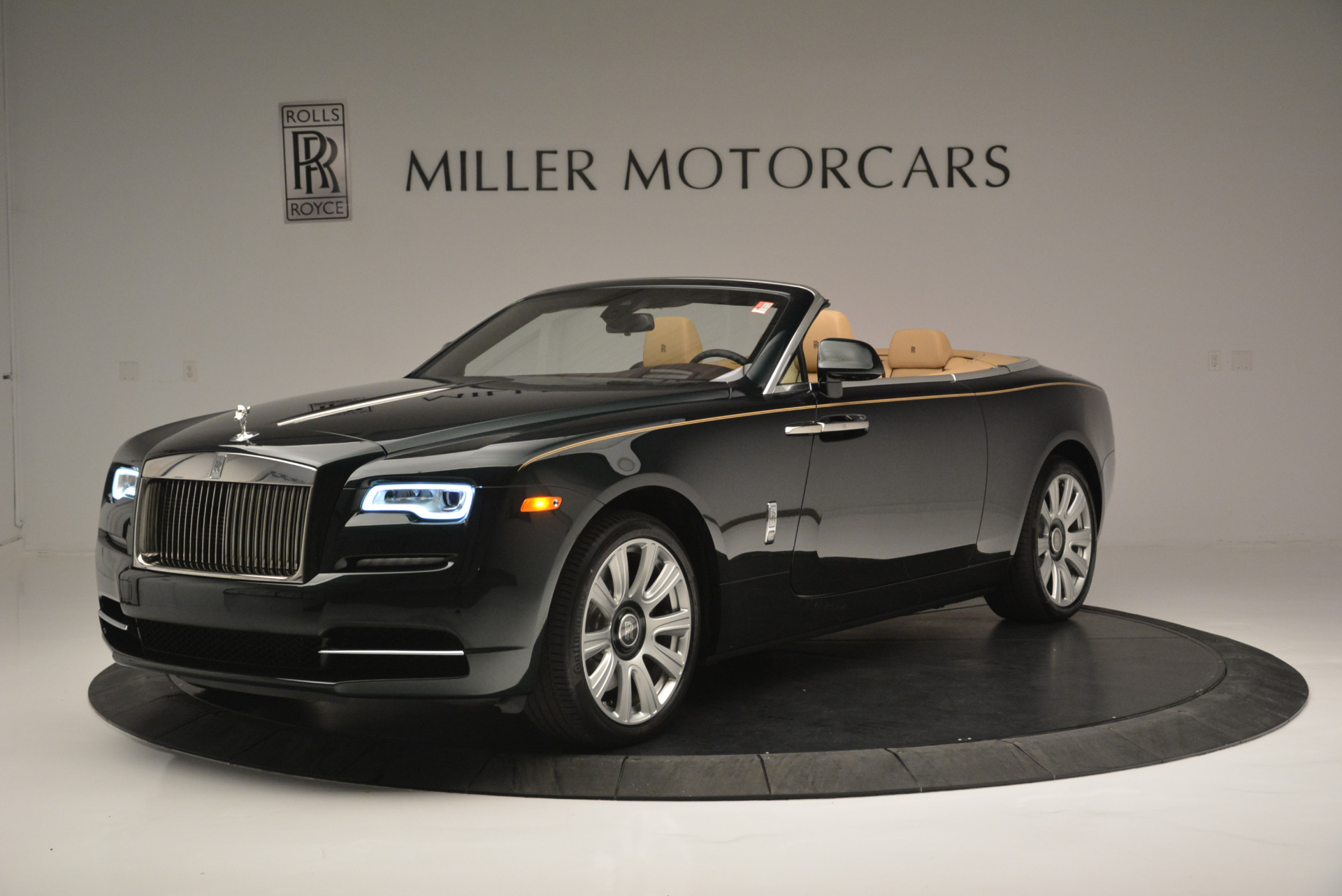 Used 2018 Rolls-Royce Dawn  For Sale In Greenwich, CT 2179_main