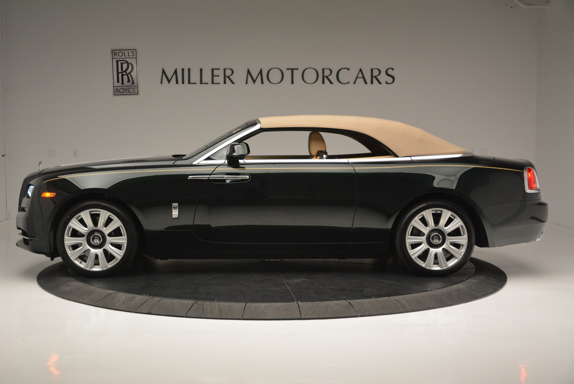 Used 2018 Rolls-Royce Dawn  For Sale In Greenwich, CT 2179_p10