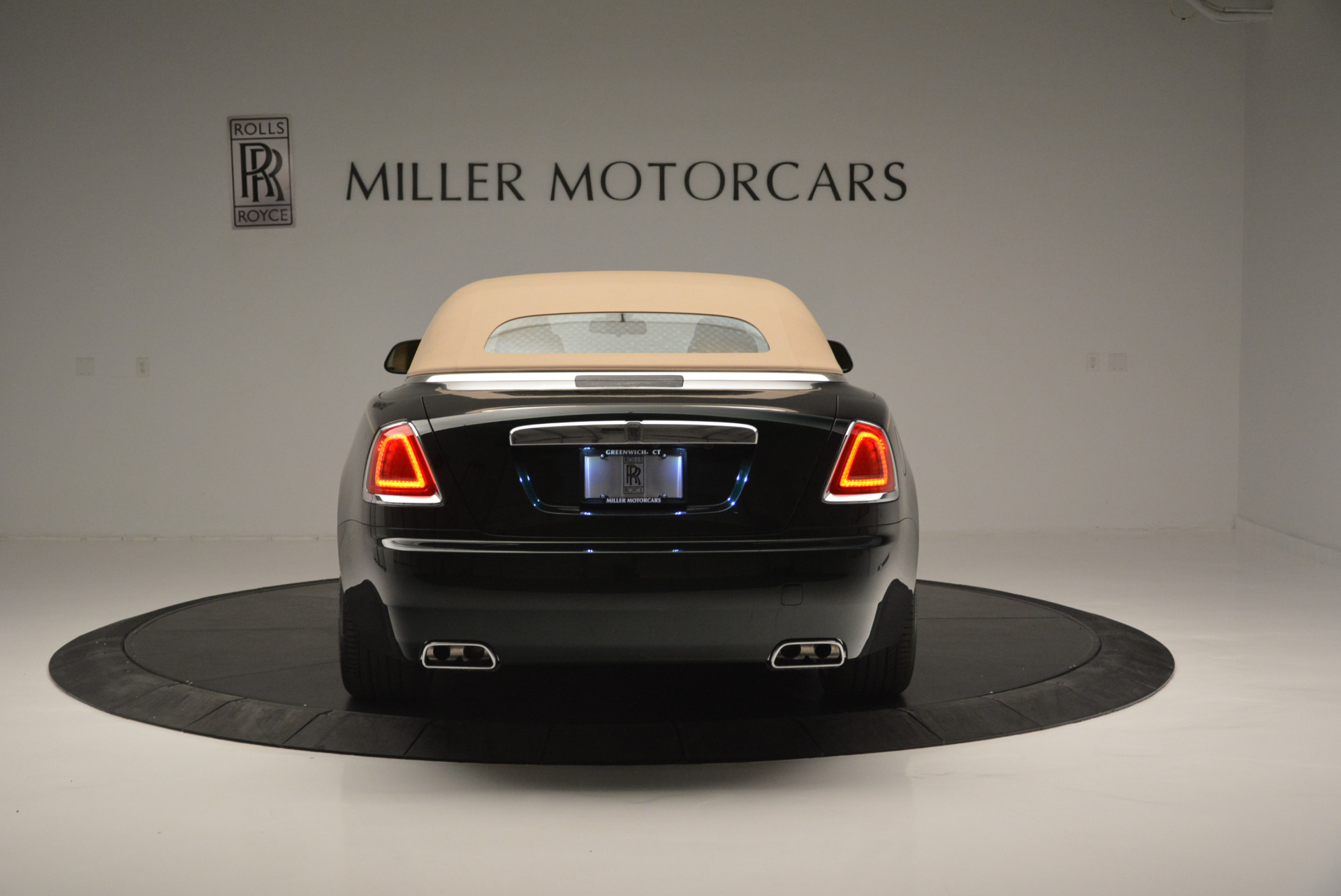 Used 2018 Rolls-Royce Dawn  For Sale In Greenwich, CT 2179_p13