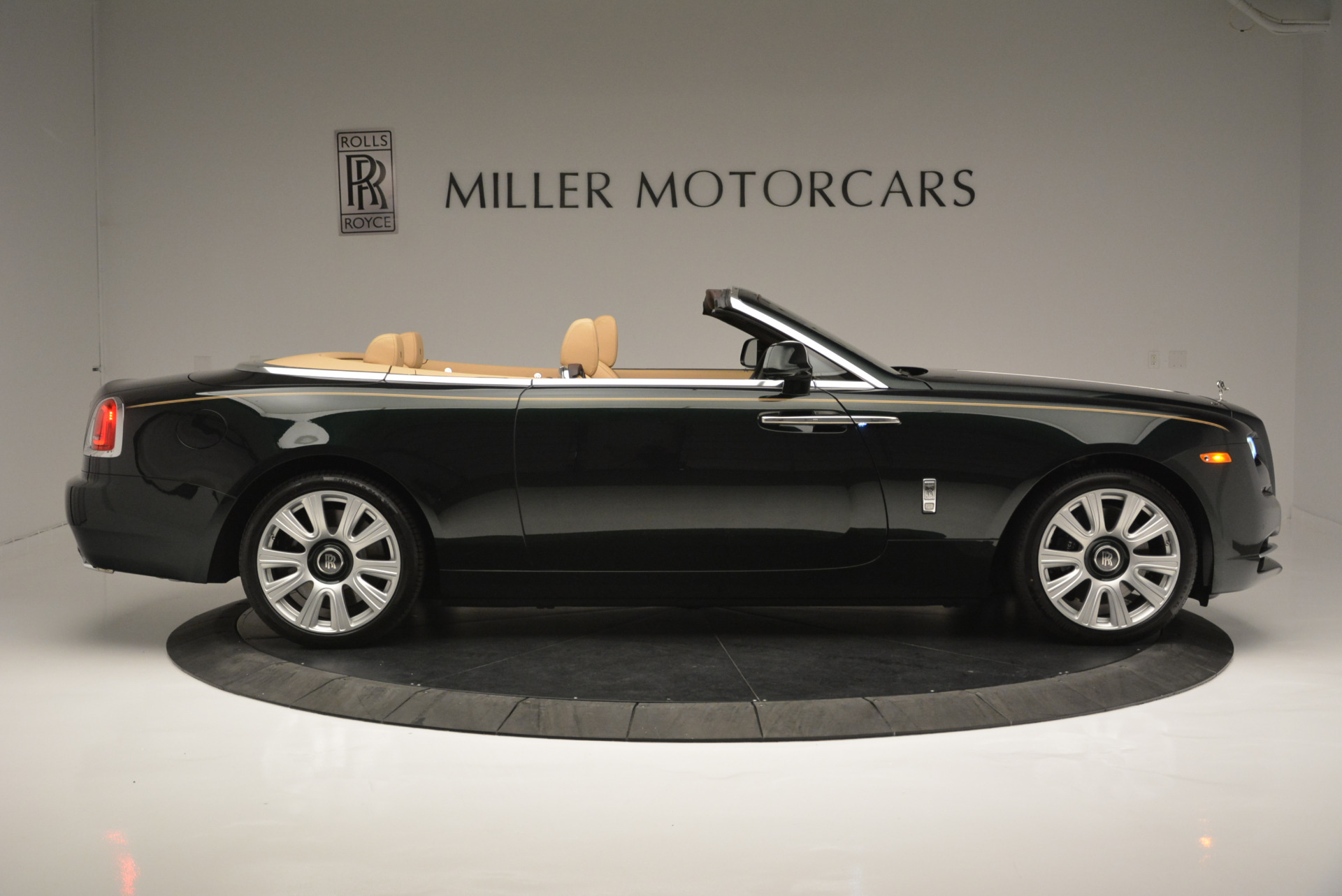 Used 2018 Rolls-Royce Dawn  For Sale In Greenwich, CT 2179_p6